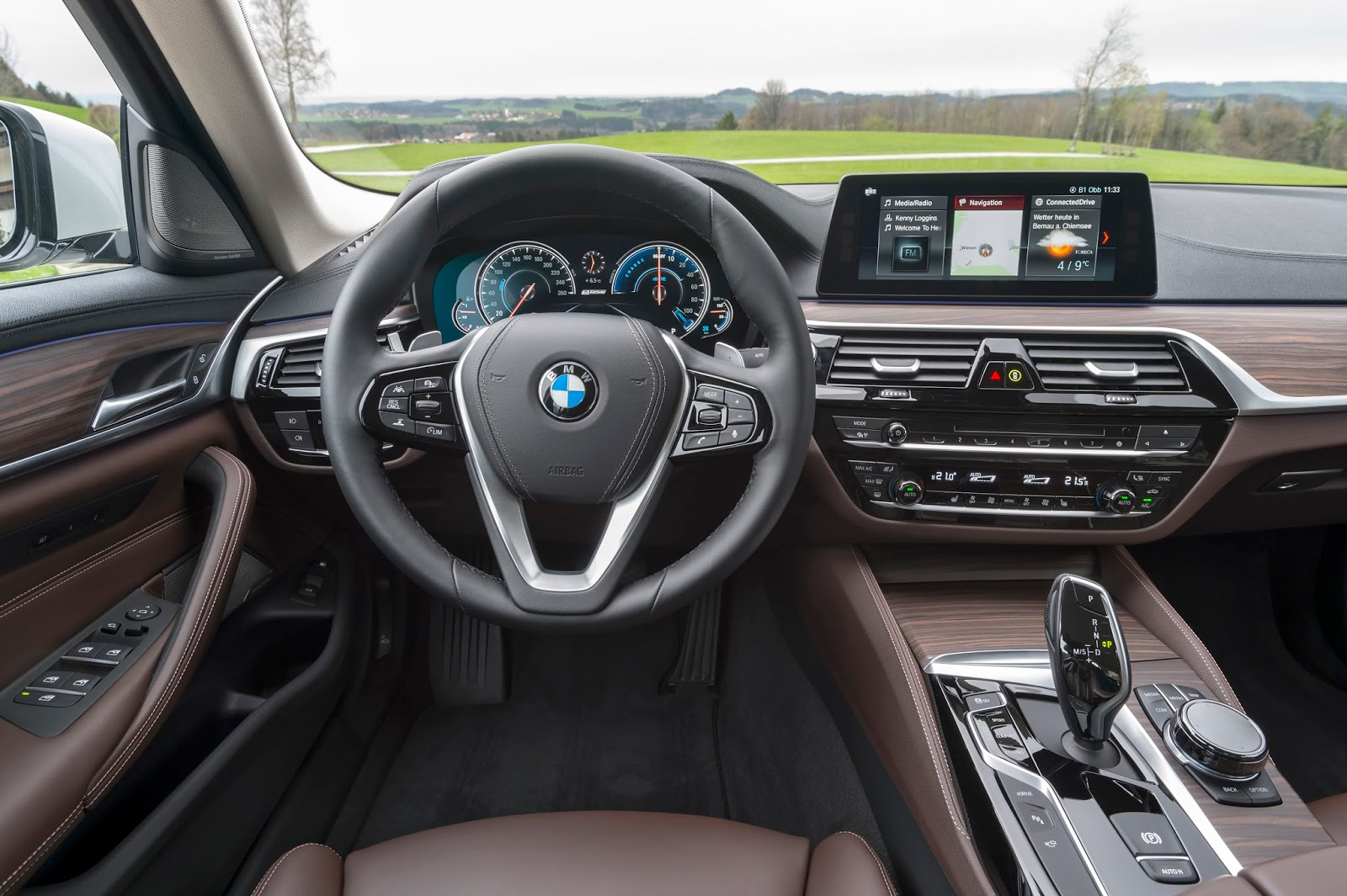 P90256378 highRes the new bmw 530e ipe Η BMW 530e iPerformance φέρνει την ηλεκτρική επανάσταση BMW, BMW 5, BMW 530e iPerformance, Electric cars, Hybrid, Λανσάρισμα