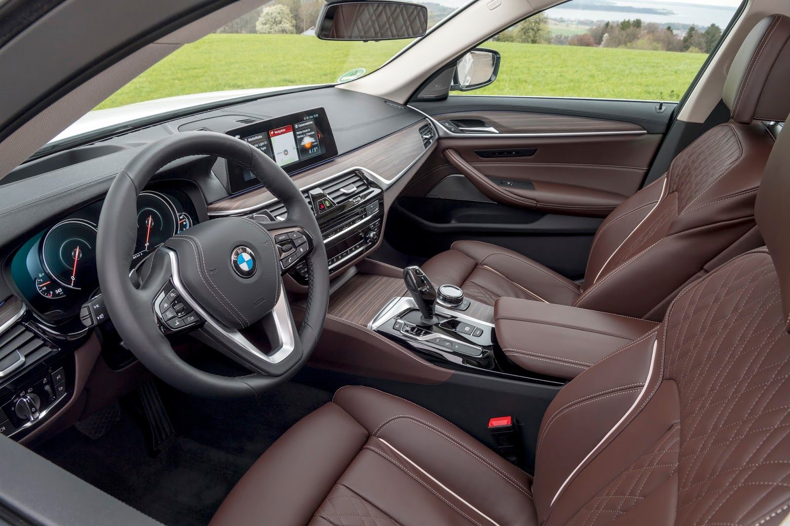 P90256384 highRes the new bmw 530e ipe Η BMW 530e iPerformance φέρνει την ηλεκτρική επανάσταση BMW, BMW 5, BMW 530e iPerformance, Electric cars, Hybrid, Λανσάρισμα