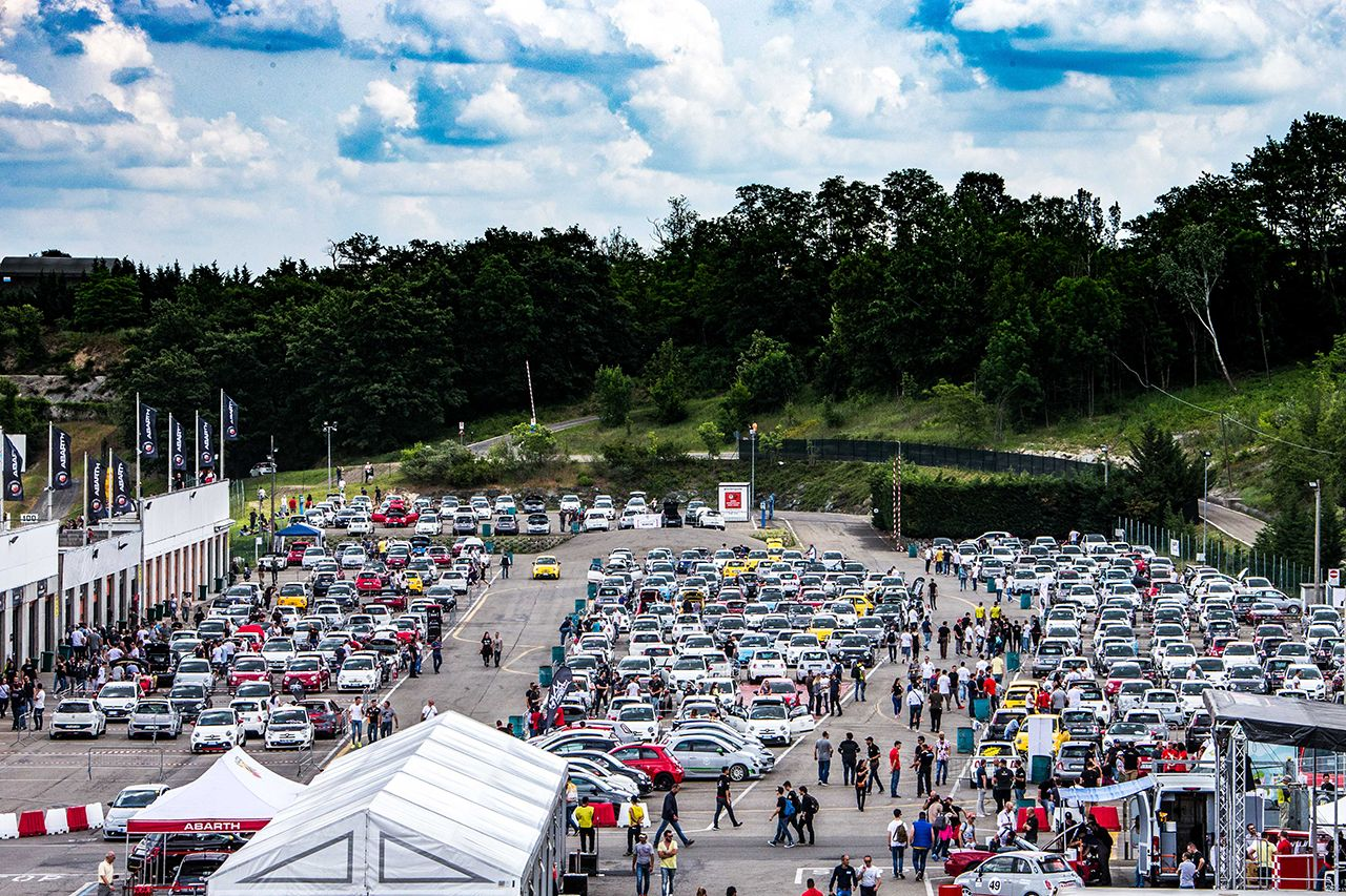 170523 Abarth Abarth day 07 1 Ένα συναρπαστικό διήμερο και μια συγκινητική στιγμή, στην ημέρα της Abarth Abarth, Abarth 124, Abarth 695 XSR Yamaha Limited Edition, Abarth 750 GT Zagato, Events, Mille Miglia
