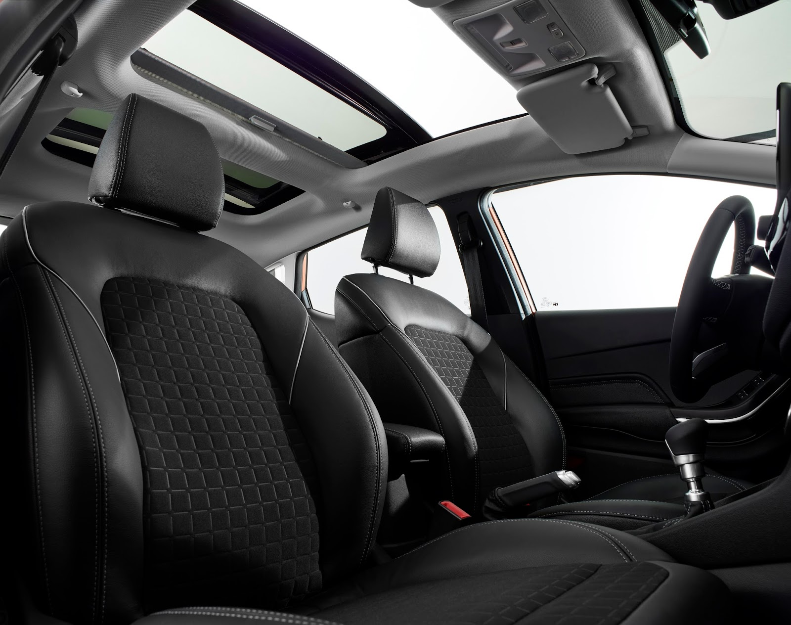 FORD FIESTA2016 TITANIUM FRONT SEAT ROW PANORAMIC ROOF 05 Τα πρώτα Ford Fiesta έρχονται στην Ελλάδα, με τιμή από 12.990€ Bestseller, Ford, Ford Fiesta, supermini, Λανσάρισμα