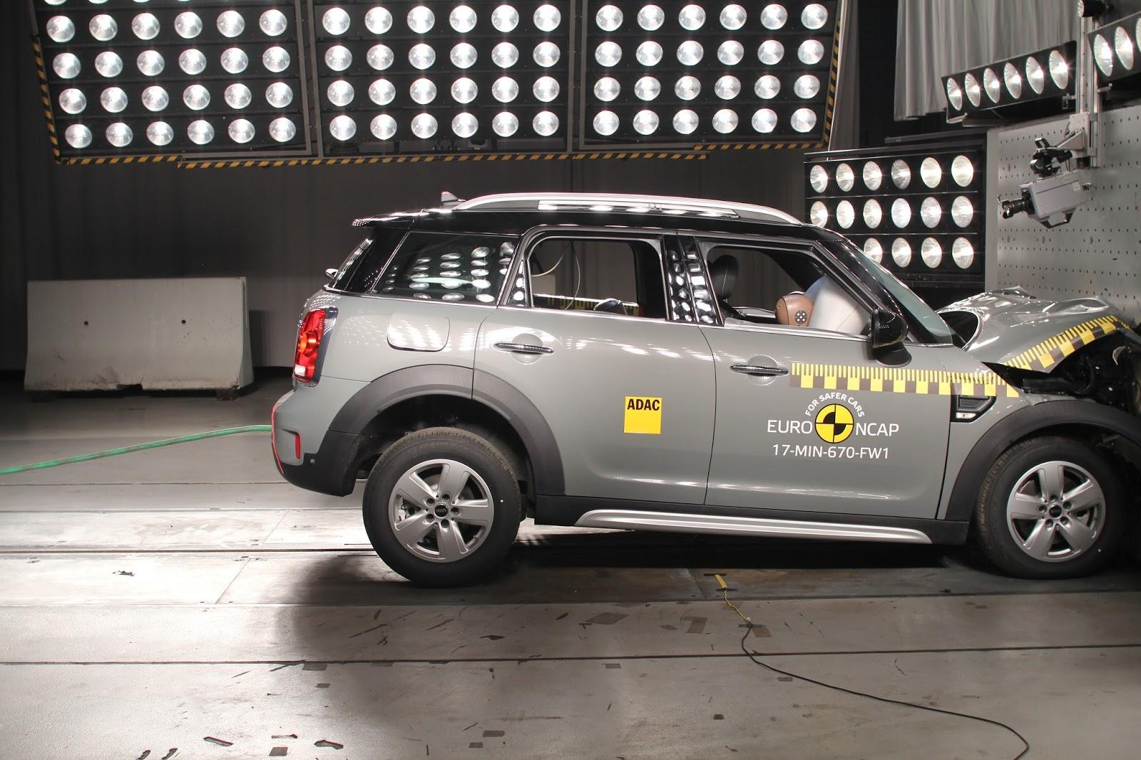 P90262860 highRes new mini countryman 5 αστέρια πήρε το Mini Countryman στα crash tests του Euro NCAP