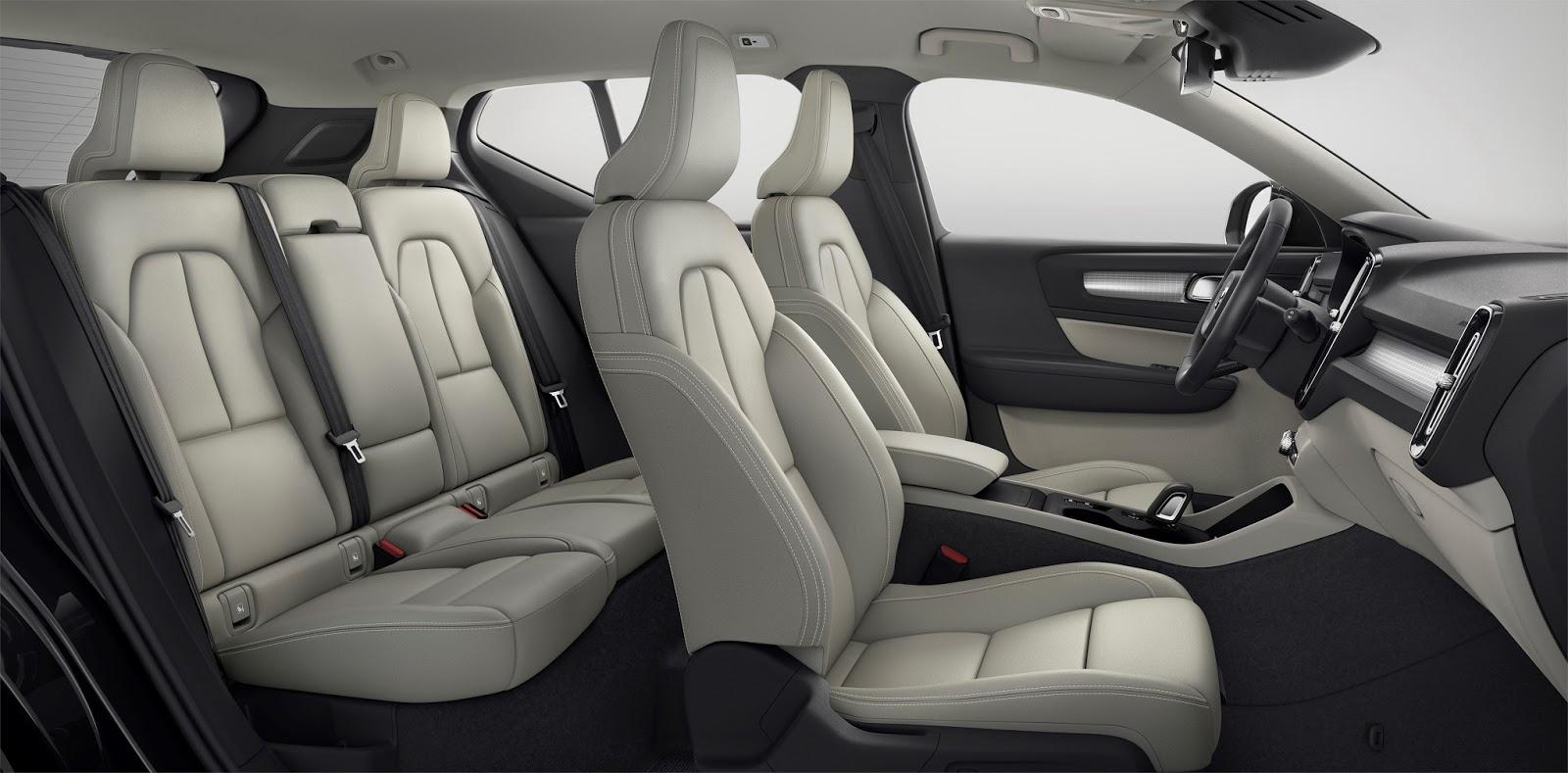 NEW2BVOLVO2BXC40 interior 2