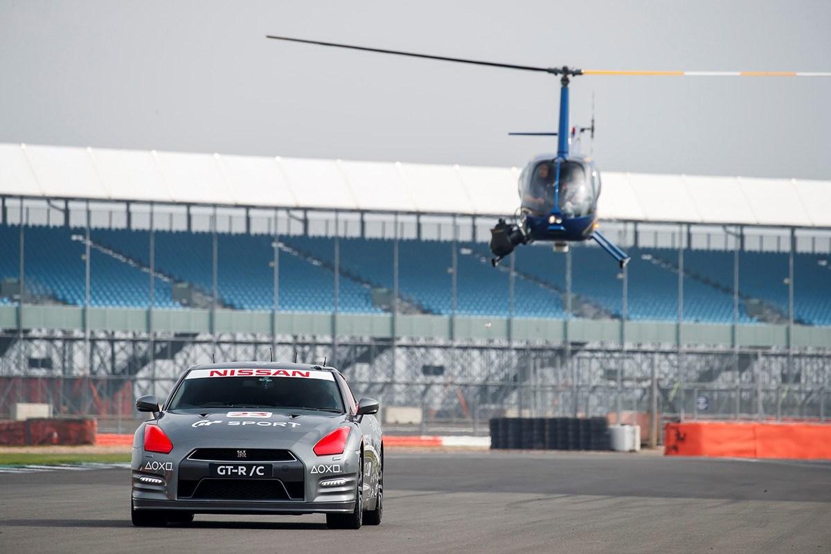 426207339 World first PlayStation controlled Nissan GT R achieves 130 mph2B run around