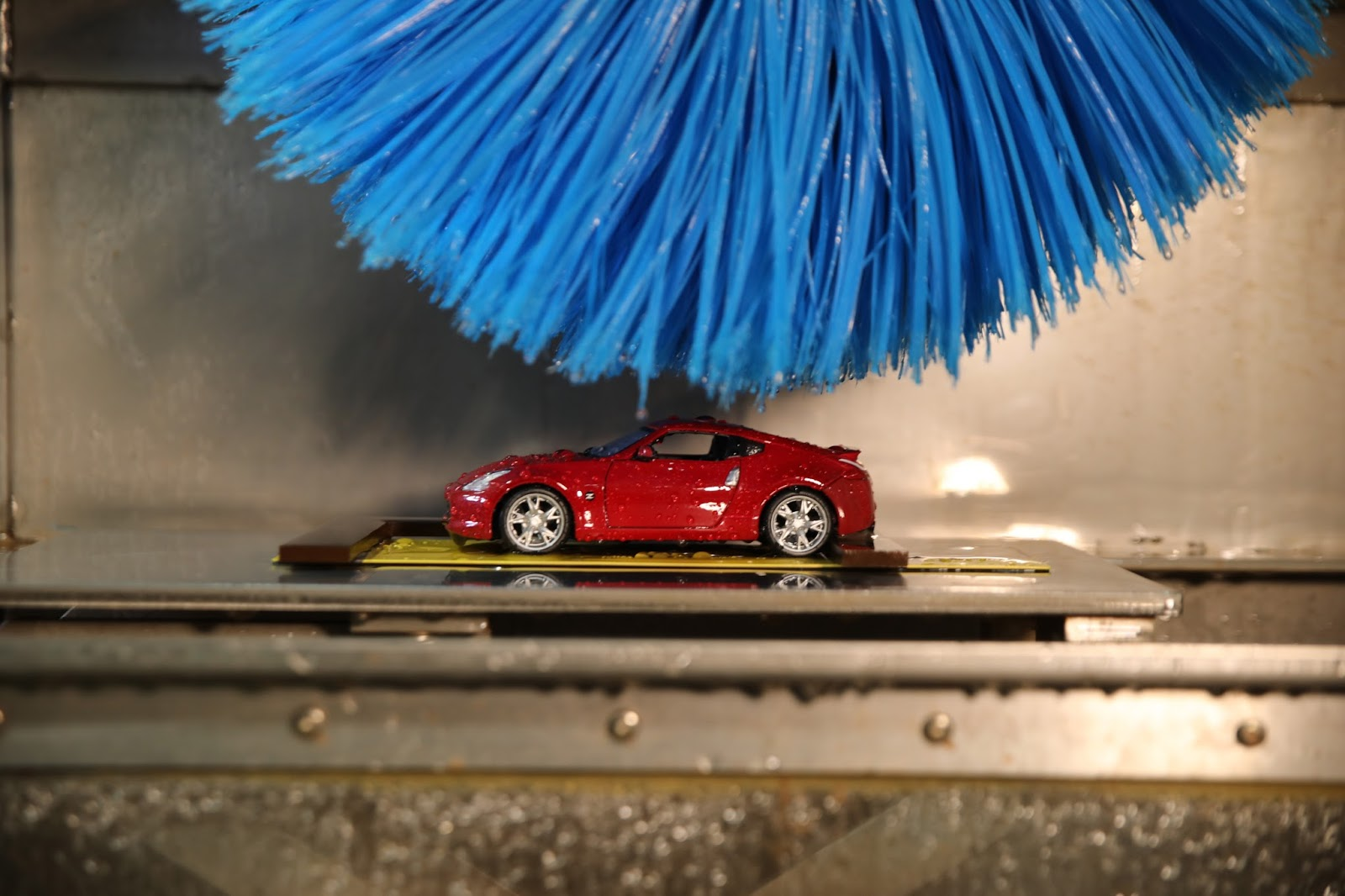 Nissan Car Wash Photo 2 Πώς δοκιμάζει την αντοχή των χρωμάτων της η Nissan Nissan, Nissan 370Z, video, videos, βίντεο, Τεχνολογία