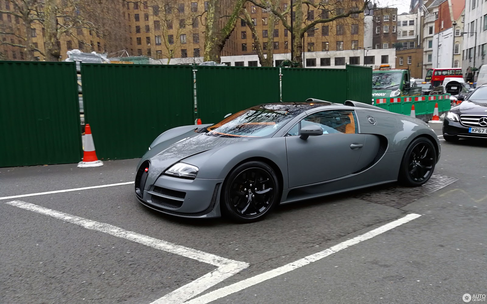 veyron Πόσο κοστίζει η αλλαγή λαδιών σε μια Bugatti; Bugatti, Bugatti Veyron, service, λάδια