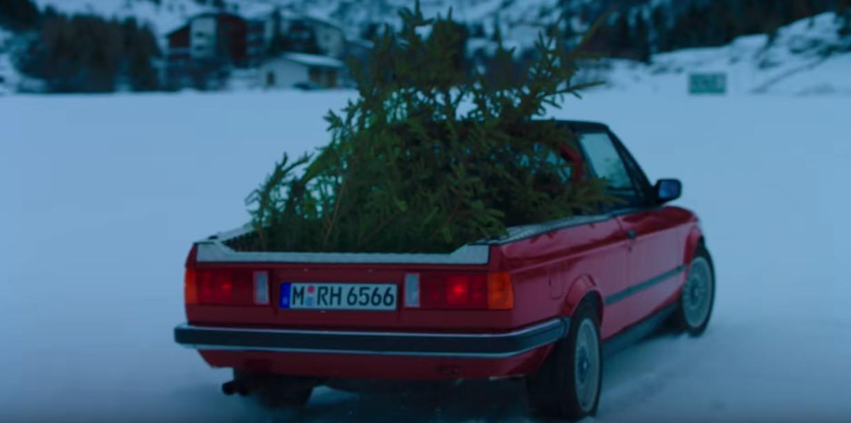 m3pic2 Όταν η BMW ανέσυρε την Μ3 Ε30 Pickup για τις γιορτές BMW, BMW M, BMW M Performance, BMW M3, BMW M3 E30, BMW M3 Pickup, video, videos