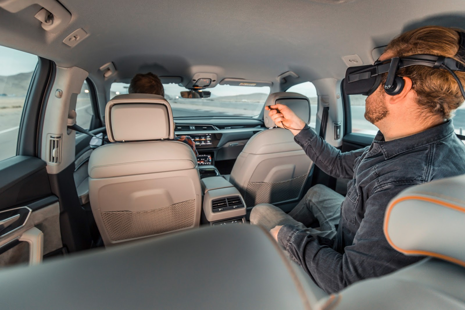 H2BAUDI2B25CE25A325CE25A425CE25972BCES 3 H Audi εξελίσσει VR videogames για το αυτοκίνητο! Audi, Electric cars, video, videos, βίντεο, Τεχνολογία