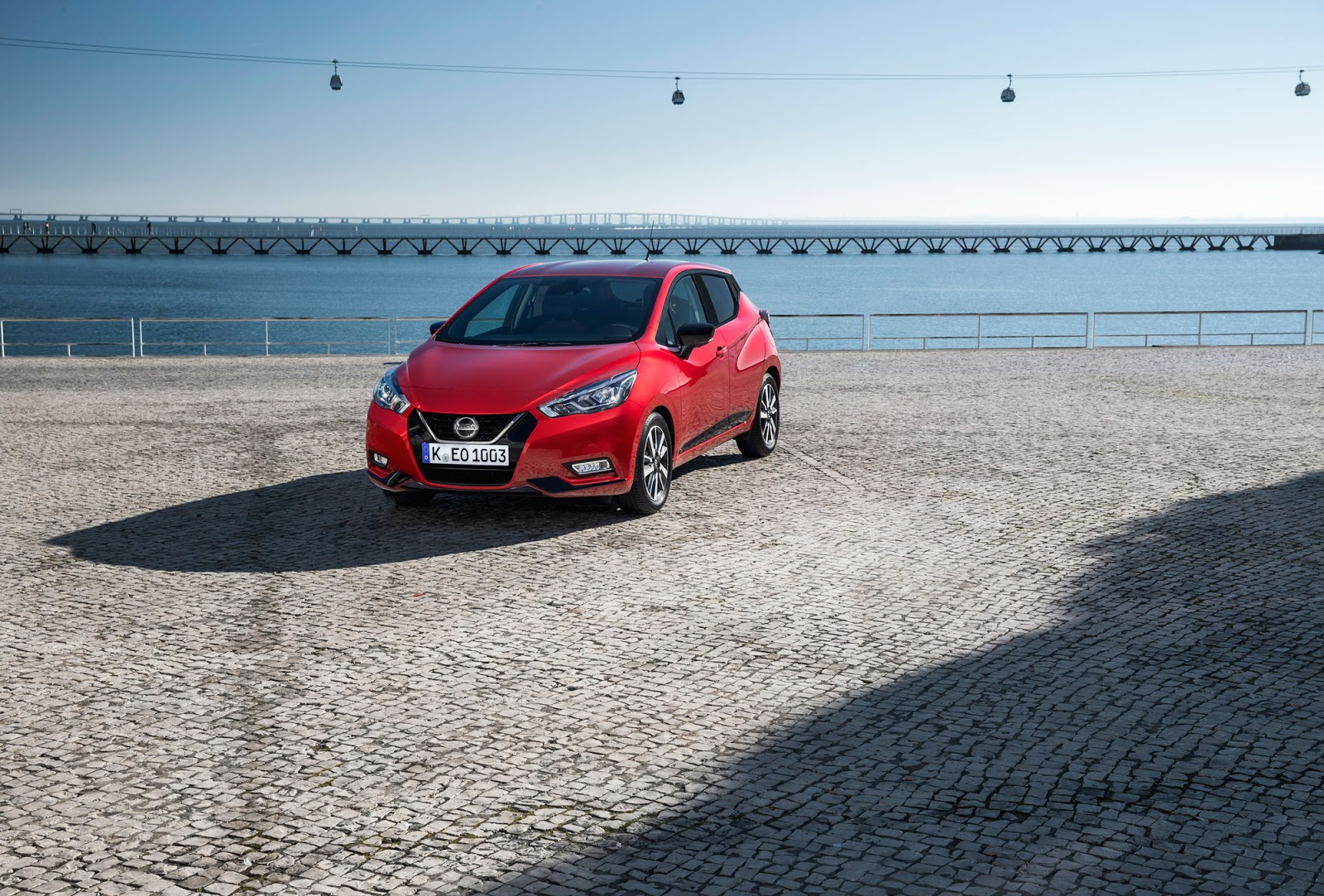 MICRA red