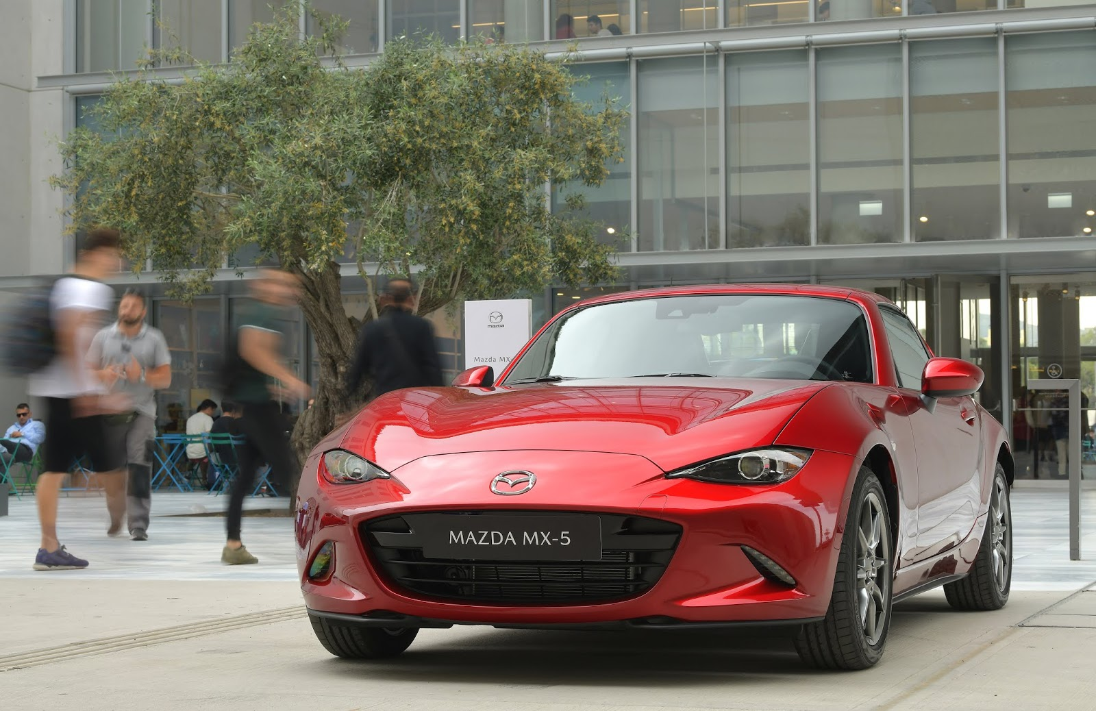 Mazda Greece 01 1 Στις 6 Ιουνίου τα εγκαίνια της πρώτης έκθεσης Mazda στην Ελλάδα
