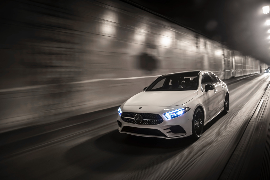 18C0775 007 Από 28.230 ευρώ η τιμή της Mercedes A-Class Sedan Luxury sedan, Mercedes, Mercedes AMG, premium sedan, sedan, zblog, καινούργιο, καινούρια, τιμες