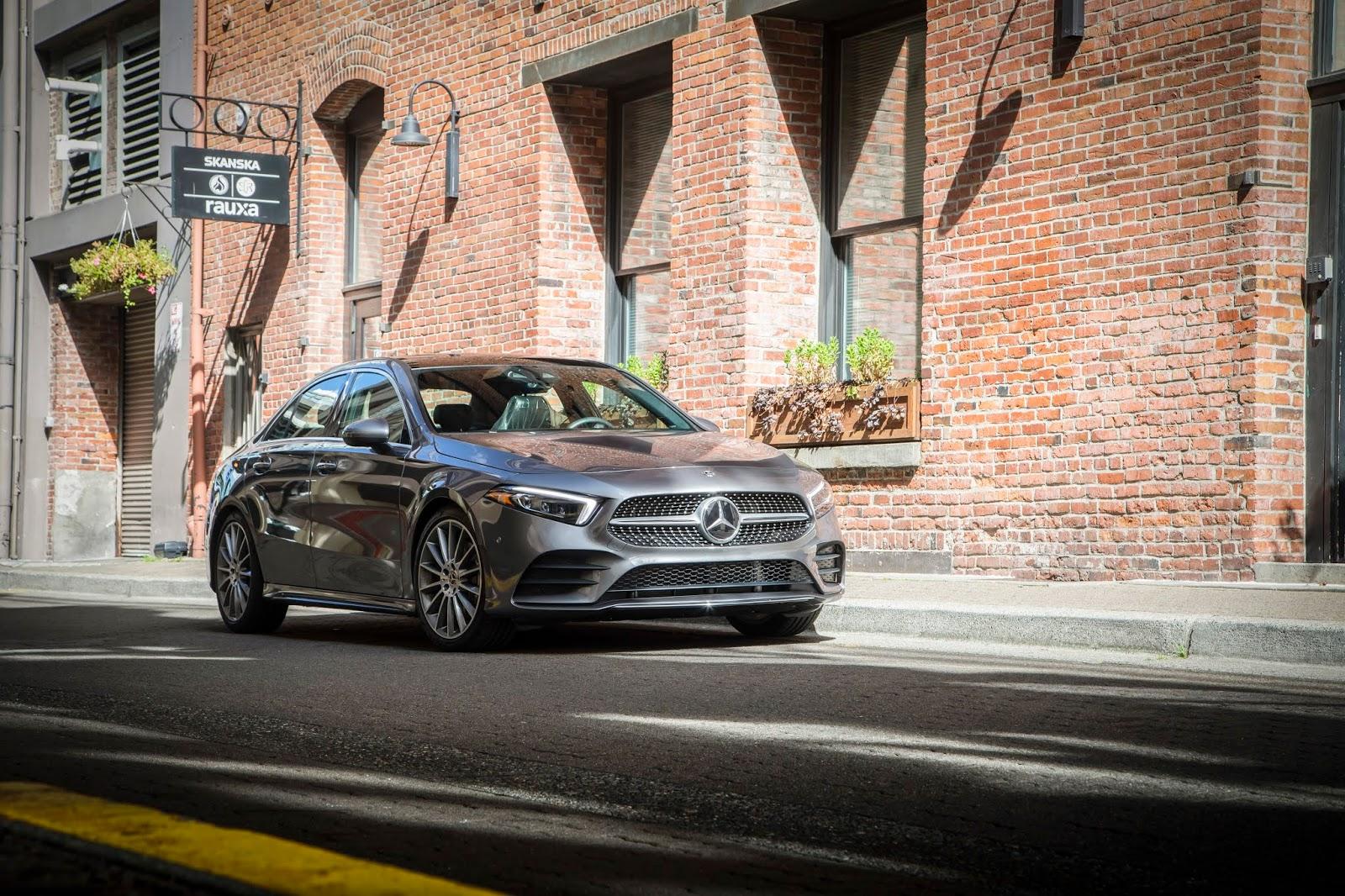 18C0776 001 Από 28.230 ευρώ η τιμή της Mercedes A-Class Sedan Luxury sedan, Mercedes, Mercedes AMG, premium sedan, sedan, zblog, καινούργιο, καινούρια, τιμες
