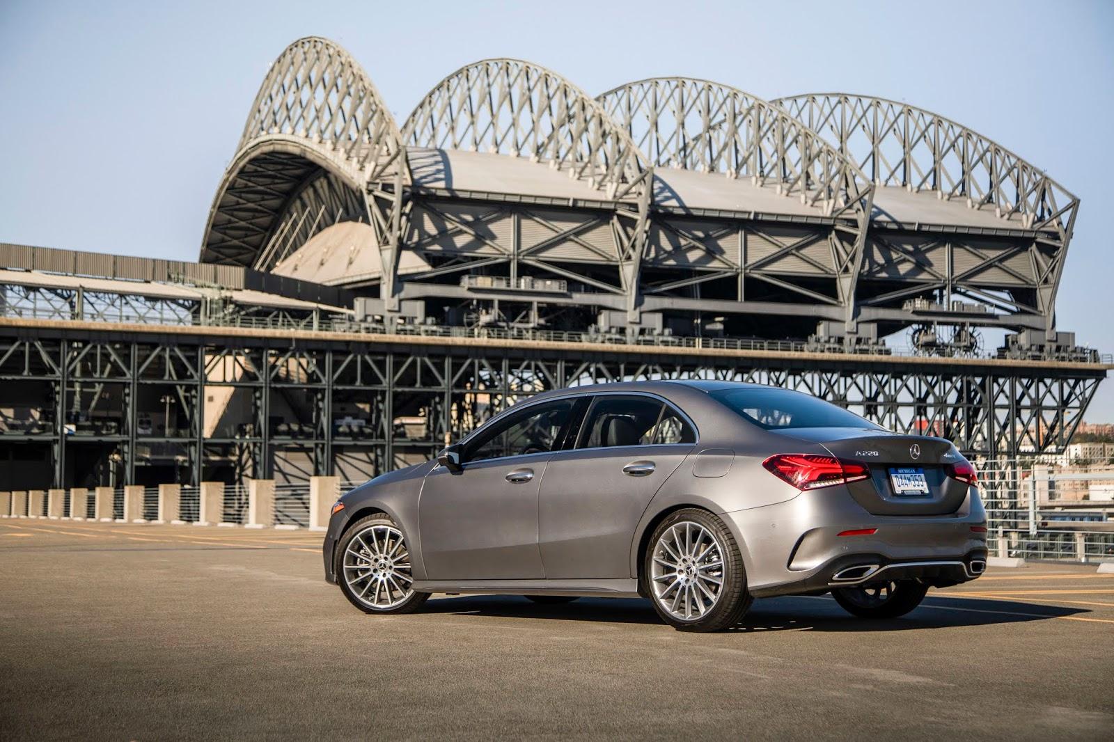 18C0776 008 Από 28.230 ευρώ η τιμή της Mercedes A-Class Sedan Luxury sedan, Mercedes, Mercedes AMG, premium sedan, sedan, zblog, καινούργιο, καινούρια, τιμες