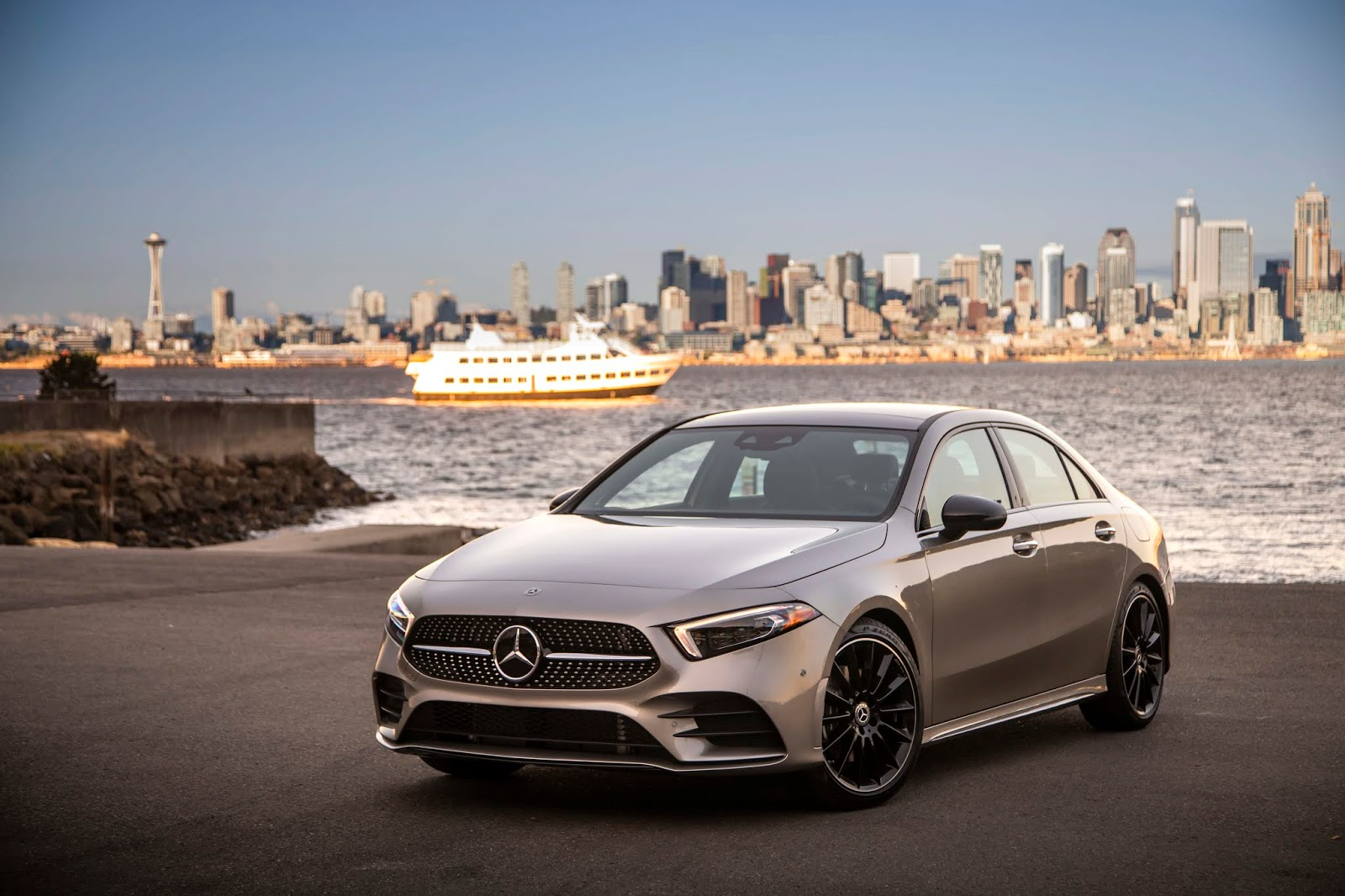 18C0777 001 Από 28.230 ευρώ η τιμή της Mercedes A-Class Sedan Luxury sedan, Mercedes, Mercedes AMG, premium sedan, sedan, zblog, καινούργιο, καινούρια, τιμες