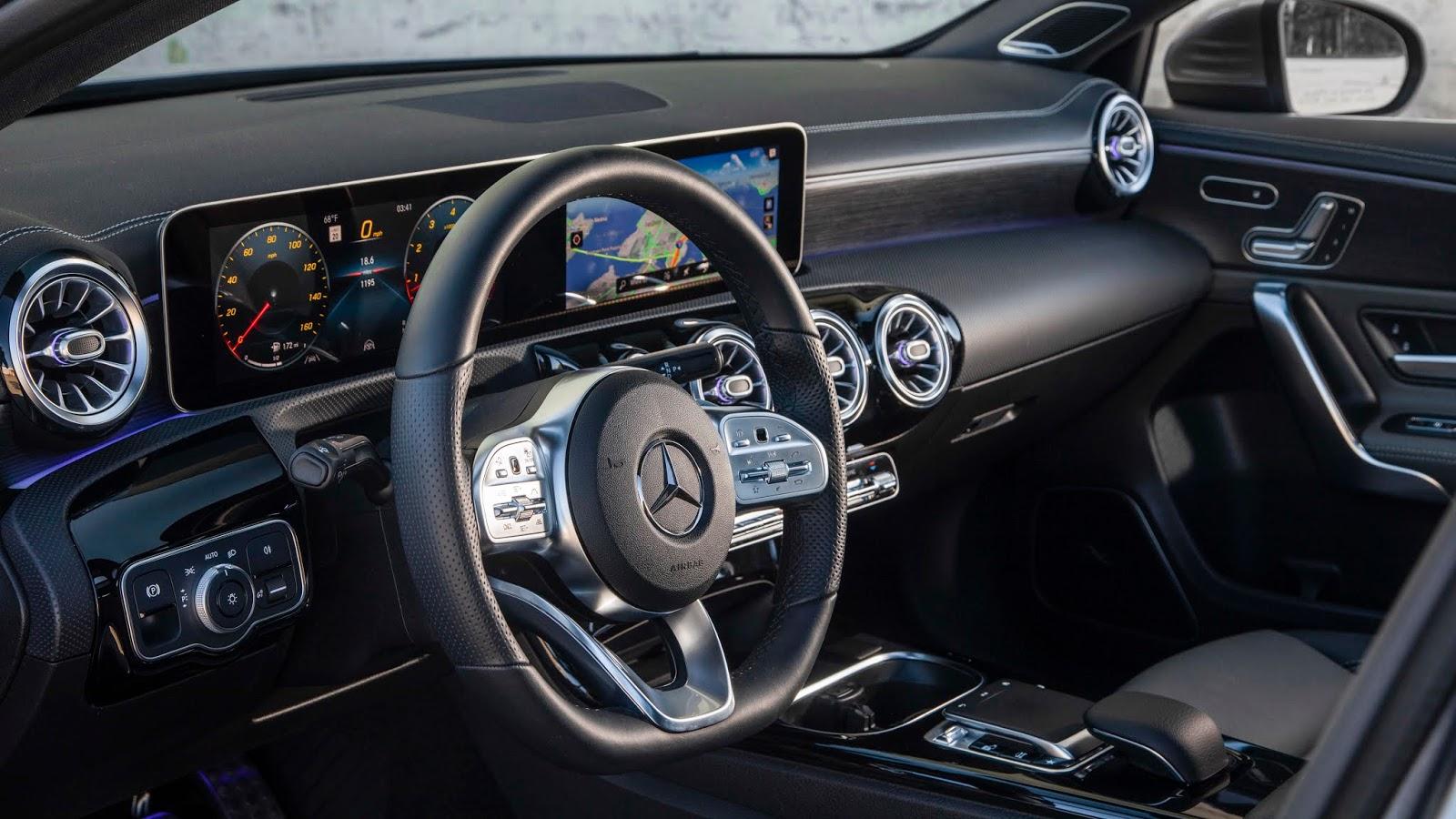 18C0777 015 1 Από 28.230 ευρώ η τιμή της Mercedes A-Class Sedan Luxury sedan, Mercedes, Mercedes AMG, premium sedan, sedan, zblog, καινούργιο, καινούρια, τιμες