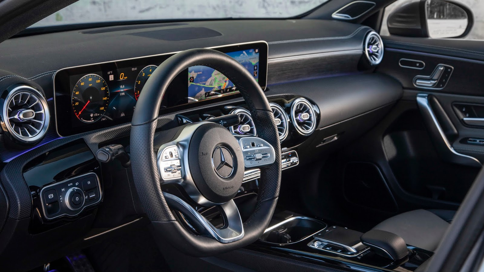 18C0777 015 Από 28.230 ευρώ η τιμή της Mercedes A-Class Sedan Luxury sedan, Mercedes, Mercedes AMG, premium sedan, sedan, zblog, καινούργιο, καινούρια, τιμες