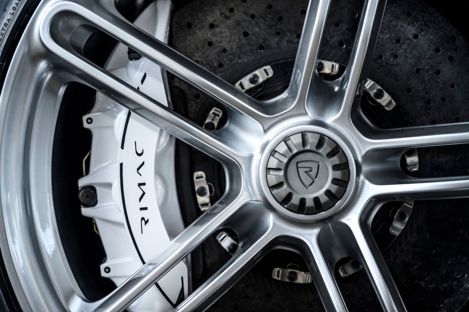 C TWO Day Detail Wheel Rimac C Two. Η νέα φυλή στα hypercars, έρχεται με 1900 ίππους. C Two, Electric cars, hypercar, Rimac, zblog