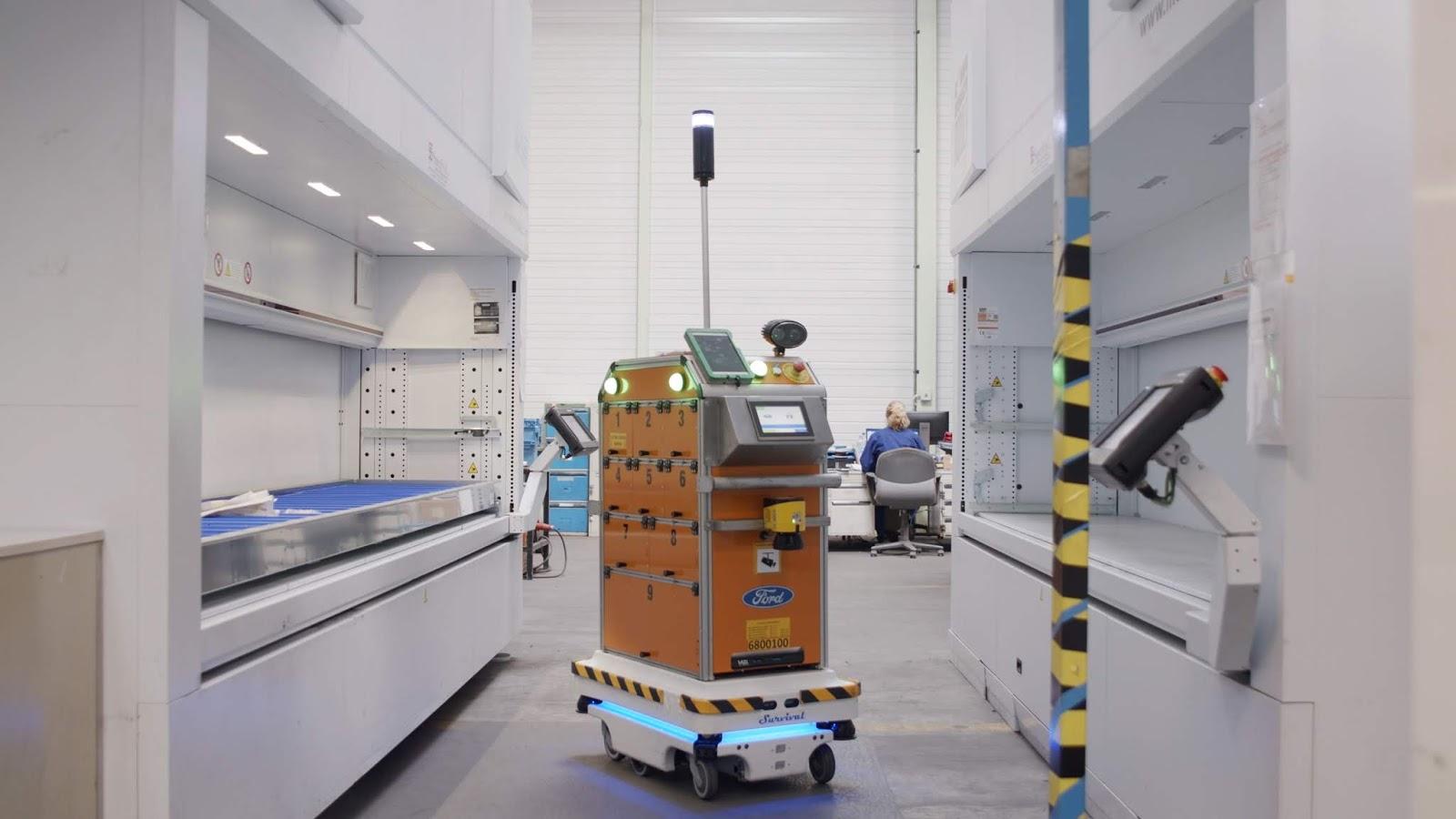 Ford SelfDrivingRobot 1 Η Ford έφτιαξε ένα ρομπότ για τις χαμαλοδουλειές του εργοστασίου της! Ford, video, videos, Εργοστάσιο, Τεχνολογία