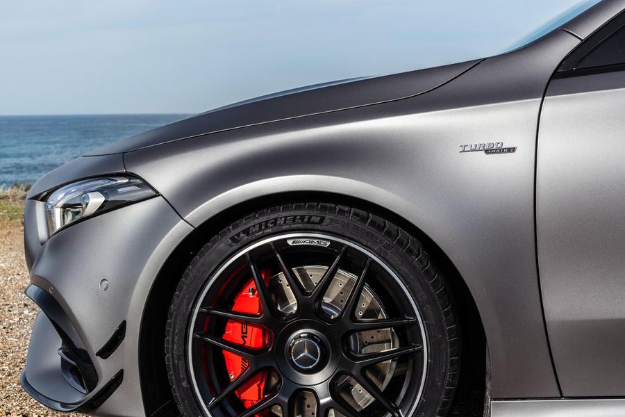 amg1 Η AMG A45 S είναι... παράνοια! Hot Hatch, Mercedes AMG, video, videos, zblog, βίντεο, καινούργιο, καινούρια, καινούριο, τεχνικά, ΦΩΤΟ, φωτογραφίες