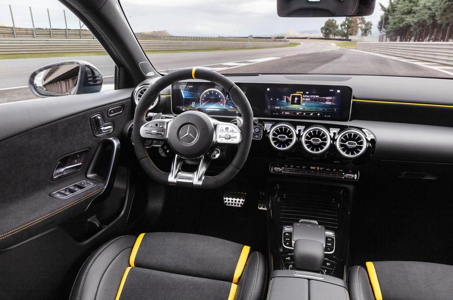amg6 Η AMG A45 S είναι... παράνοια! Hot Hatch, Mercedes AMG, video, videos, zblog, βίντεο, καινούργιο, καινούρια, καινούριο, τεχνικά, ΦΩΤΟ, φωτογραφίες