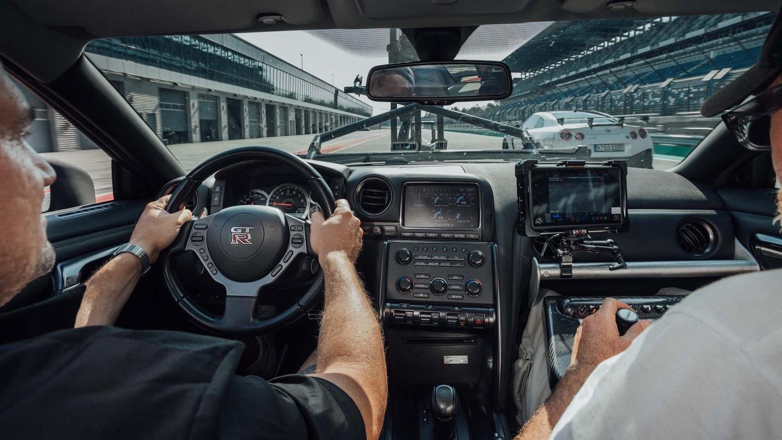 GT R NISMO Berlin Test Drive 12 Πώς μπορείς να κινηματογραφήσεις τον Godzilla Godzilla, GTR, Nismo, Nismo GT-R, Nissan, Nissan GT-R NISMO, video, videos, zblog, ΦΩΤΟ, φωτογραφίες