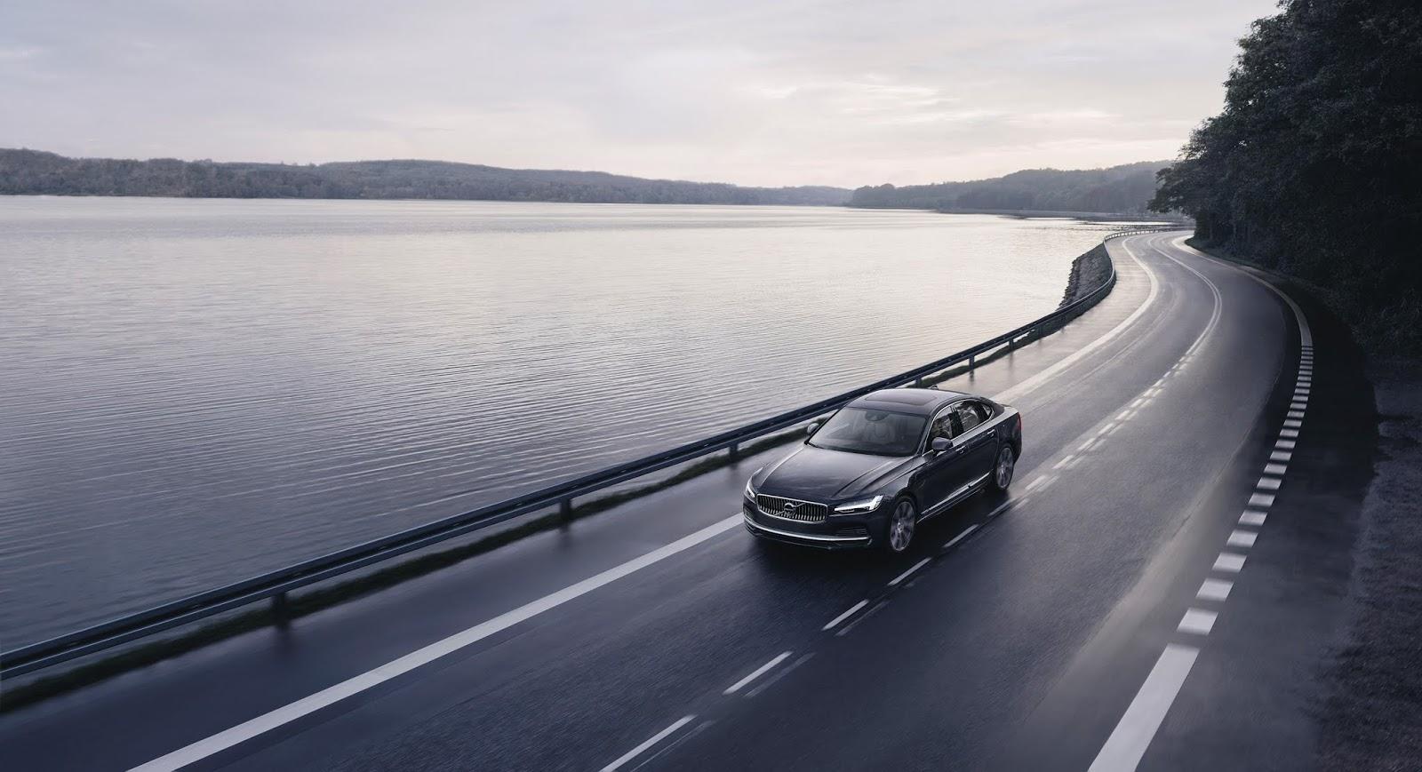 262602 The refreshed Volvo S90 Recharge T8 plug in hybrid in Platinum Grey Πλέον, όλα τα Volvo έχουν τελική 180 χ.α.ω. Volvo, Volvo Car Hellas, Volvo Cars, επιδόσεις