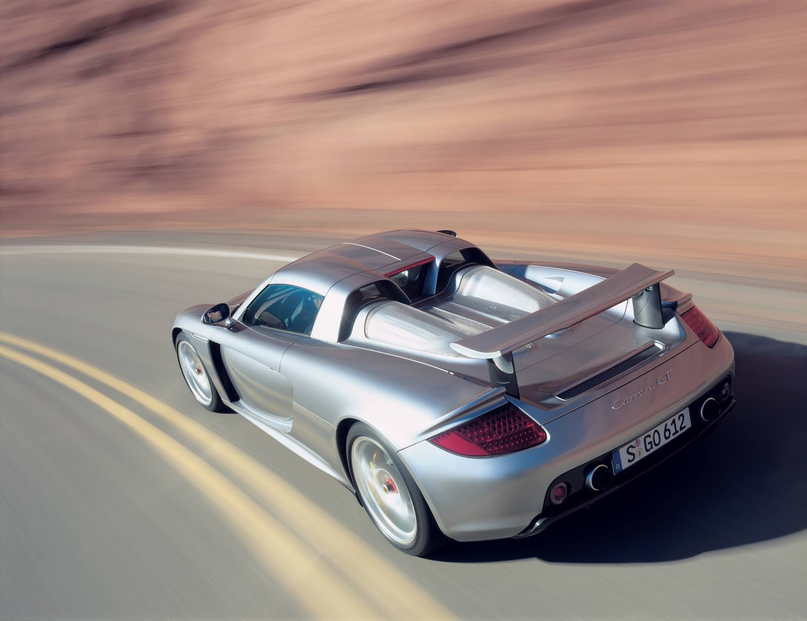 P03 0532 a4 Porsche Carrera GT : Ένα αγωνιστικό LeMans, για το δρόμο Carrera GT, Porsche, Porsche Carrera GT, retrocar, retrocar sunday, supercar, zblog