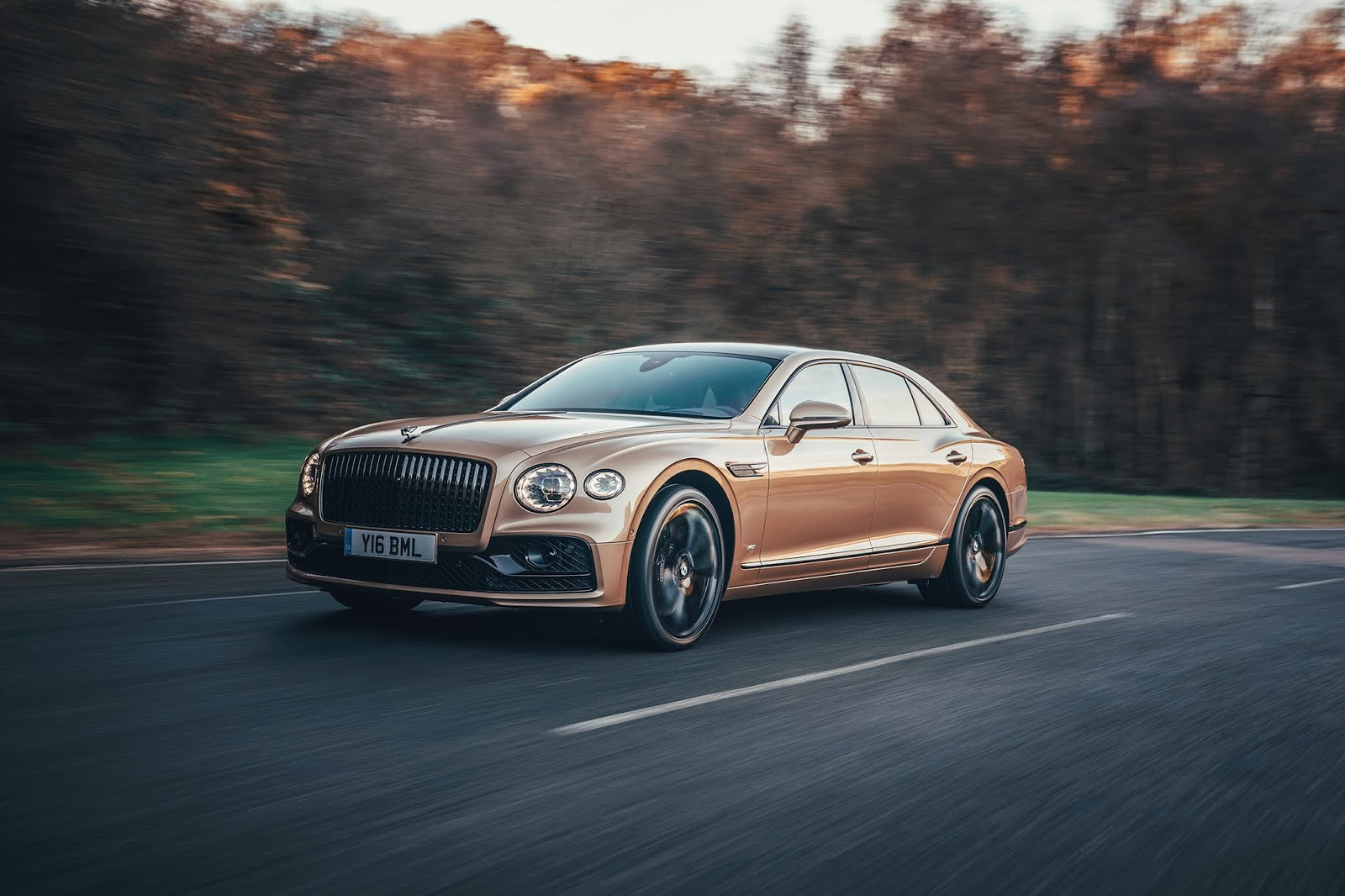 BENTLEY2BFLYING2BSPUR2BV8 Bentley : Ο προηγμένος V8 της Flying Spur