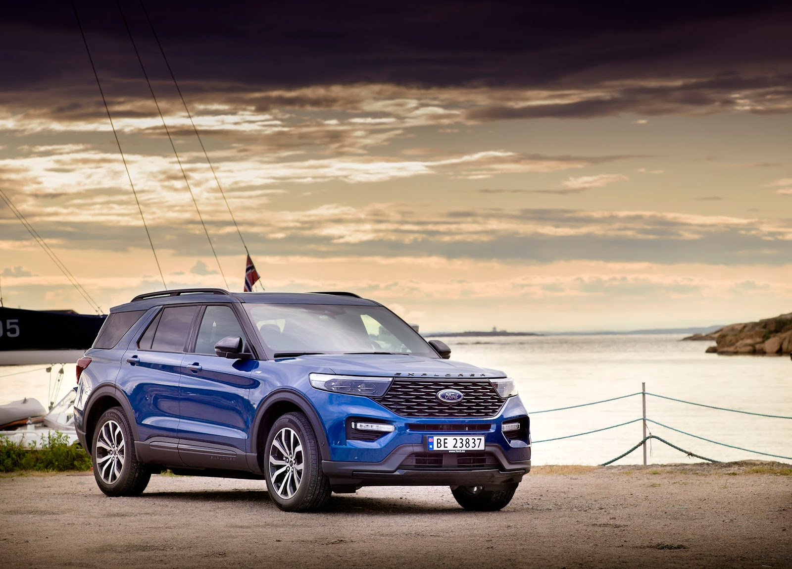 FORD 2020 EXPLORER NORWAY 03
