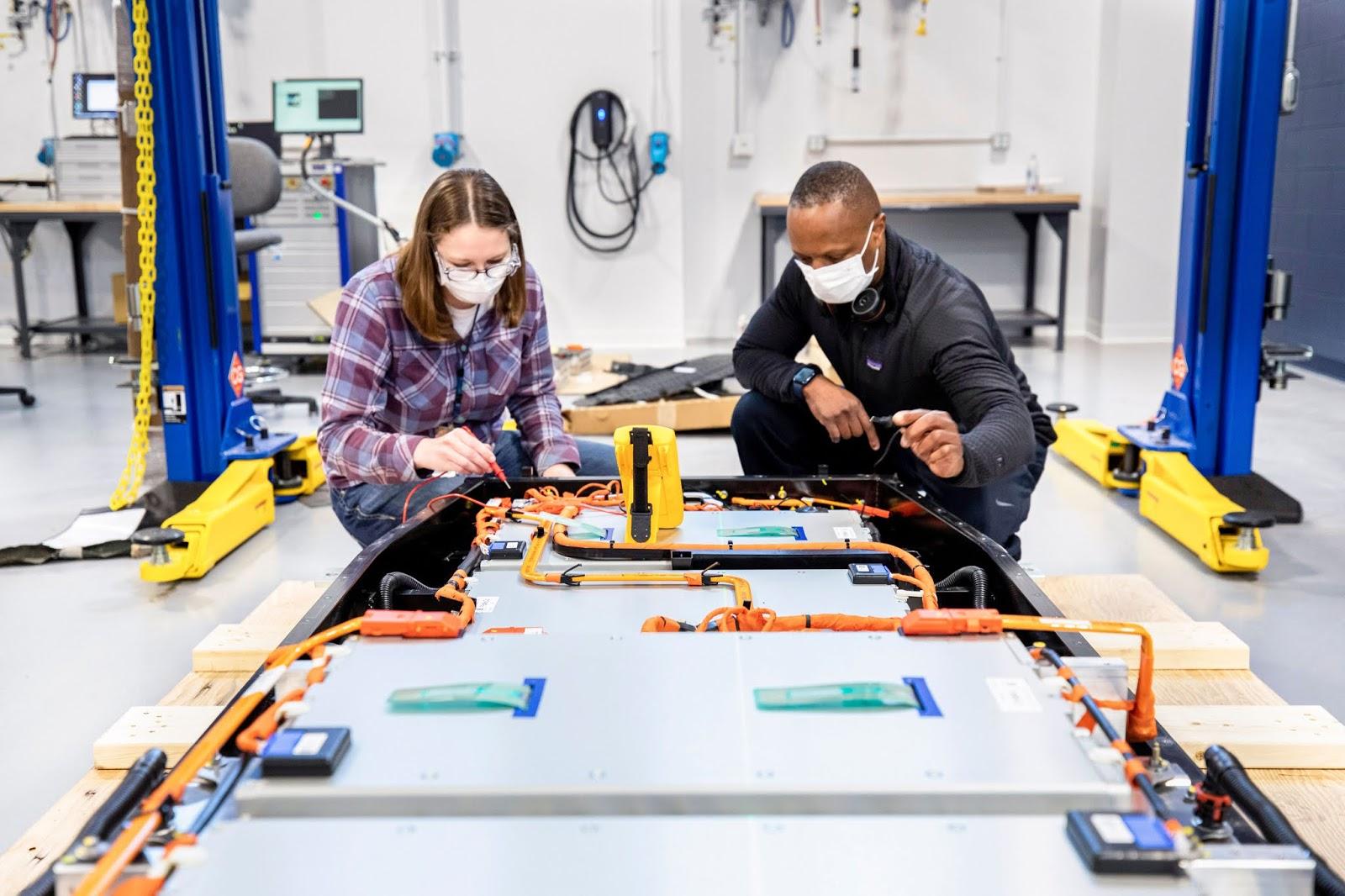 BatteryFacility AllenPark 11 1 Ford Ion Park : Επιταχύνει την έρευνα και εξέλιξη στον τομέα των μπαταριών