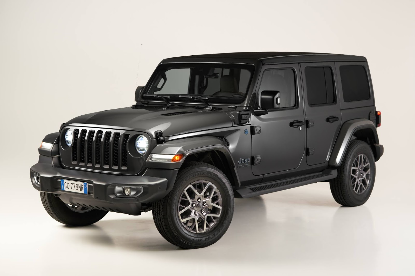 HP Jeep2BWrangler2B4xe2BFirst2BEdition 1