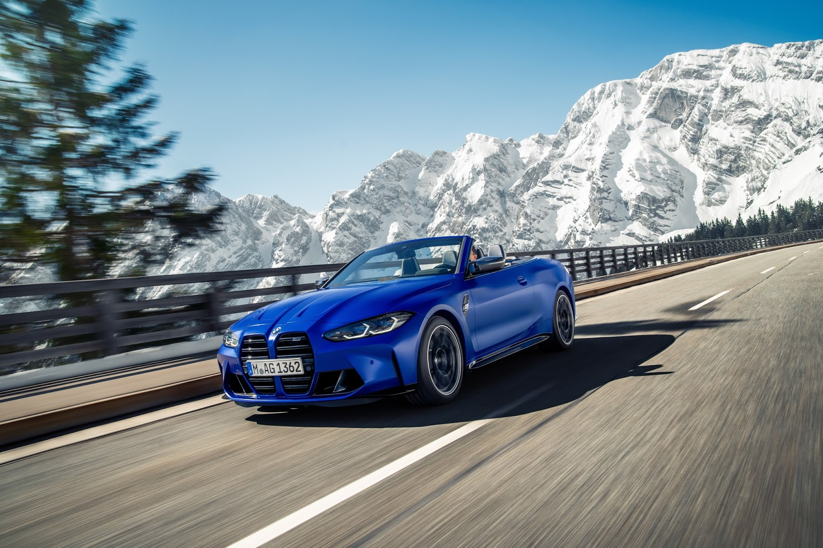 P90420168 highRes the new bmw m4 compe 3