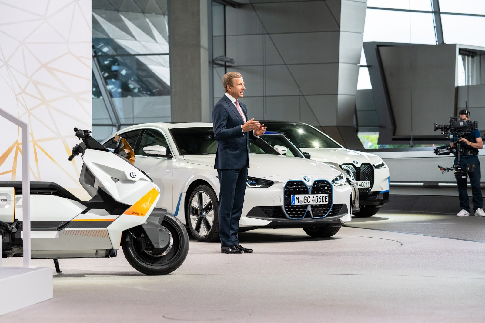 P90421676 highRes 1 BMW Group : Στοχεύει στη μείωση των εκπομπών CO2 του, κατά 200 εκατομμύρια τόνους μέχρι το 2030