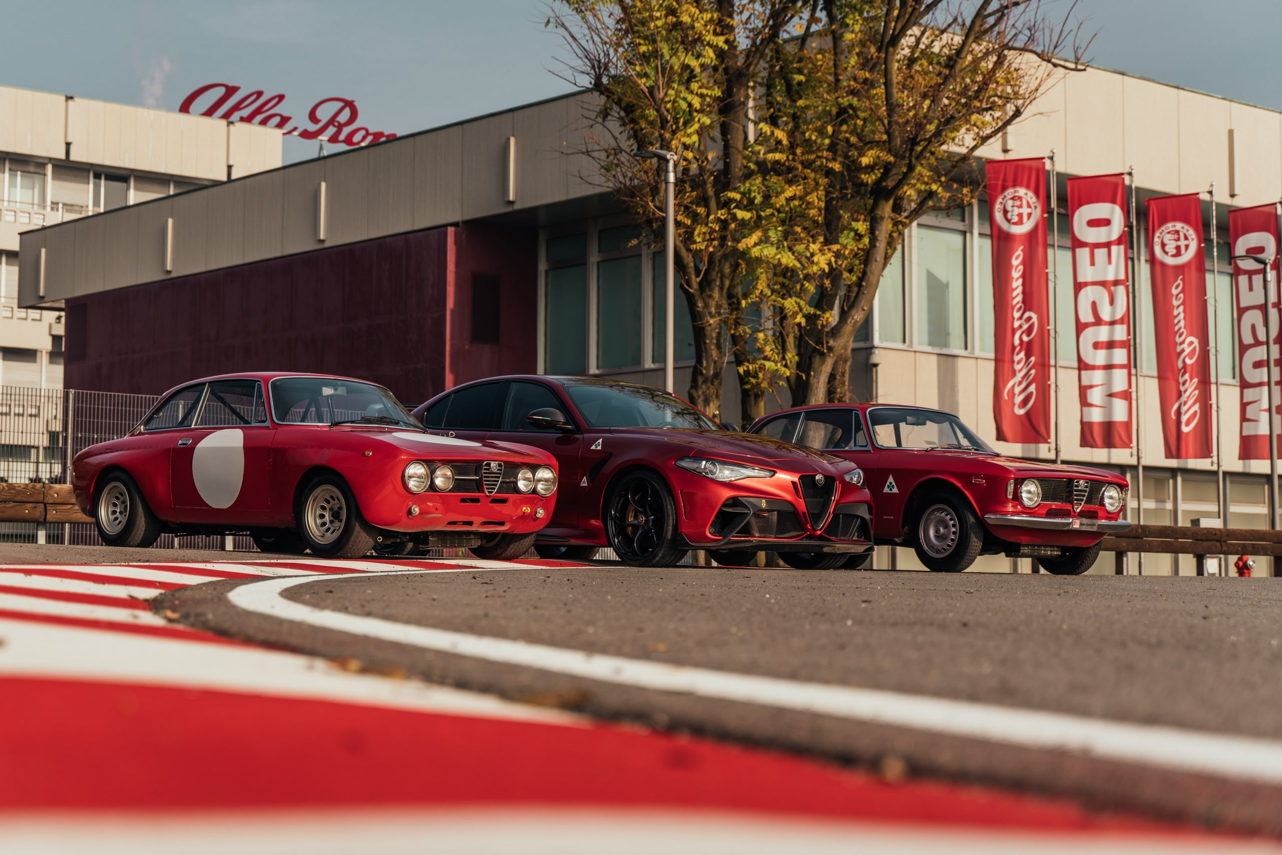 210610 AR 111 Anniversary 02 scaled H Alfa Romeo προσκαλεί τους Alfisti για τα 111α γενέθλια της Alfa, alfa romeo, Alfa Romeo Giulia, Alfa Romeo Giulia GTA, Alfa Romeo Giulia GTAm, ειδήσεις, Νέα