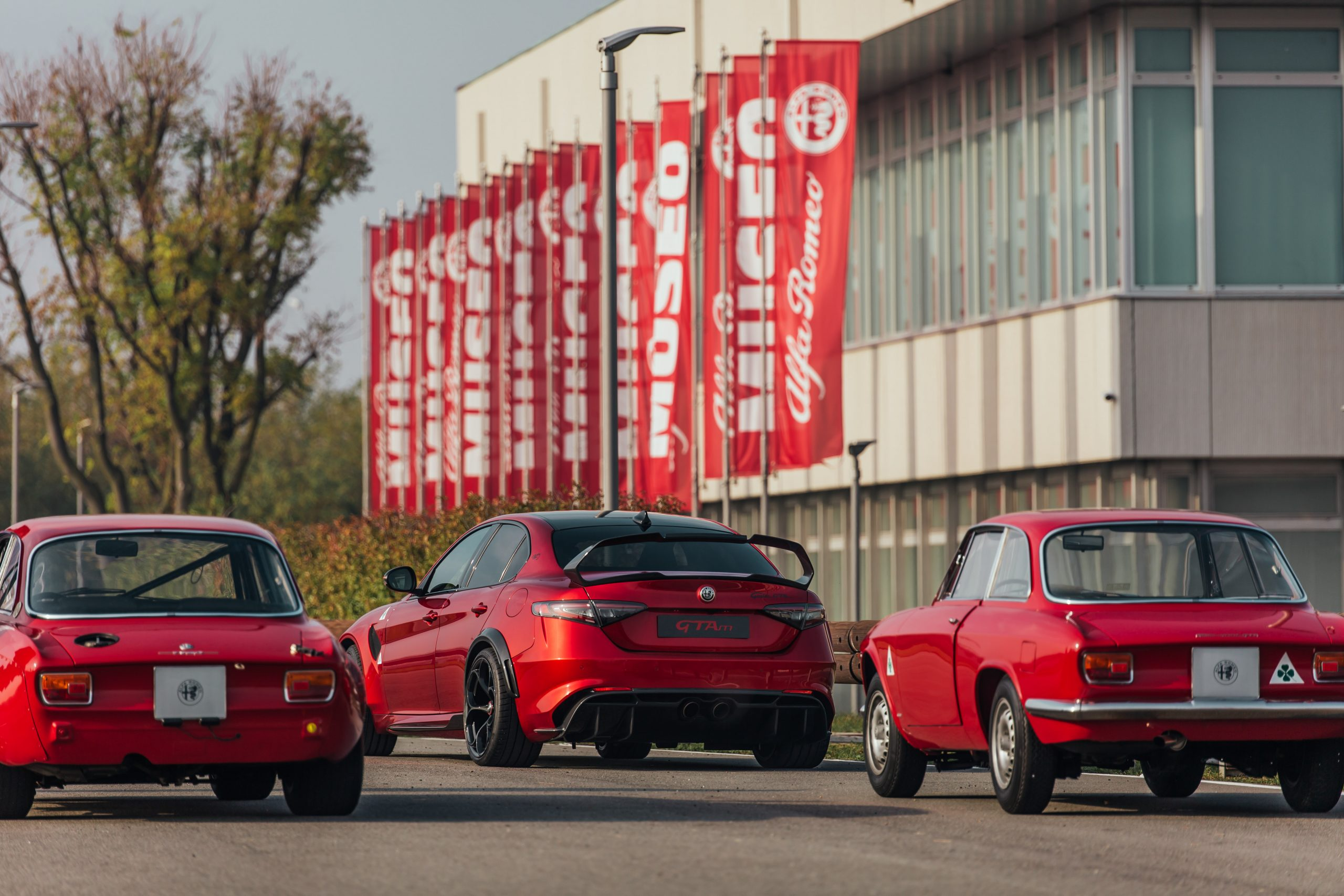 210610 AR 111 Anniversary 04 scaled H Alfa Romeo προσκαλεί τους Alfisti για τα 111α γενέθλια της Alfa, alfa romeo, Alfa Romeo Giulia, Alfa Romeo Giulia GTA, Alfa Romeo Giulia GTAm, ειδήσεις, Νέα