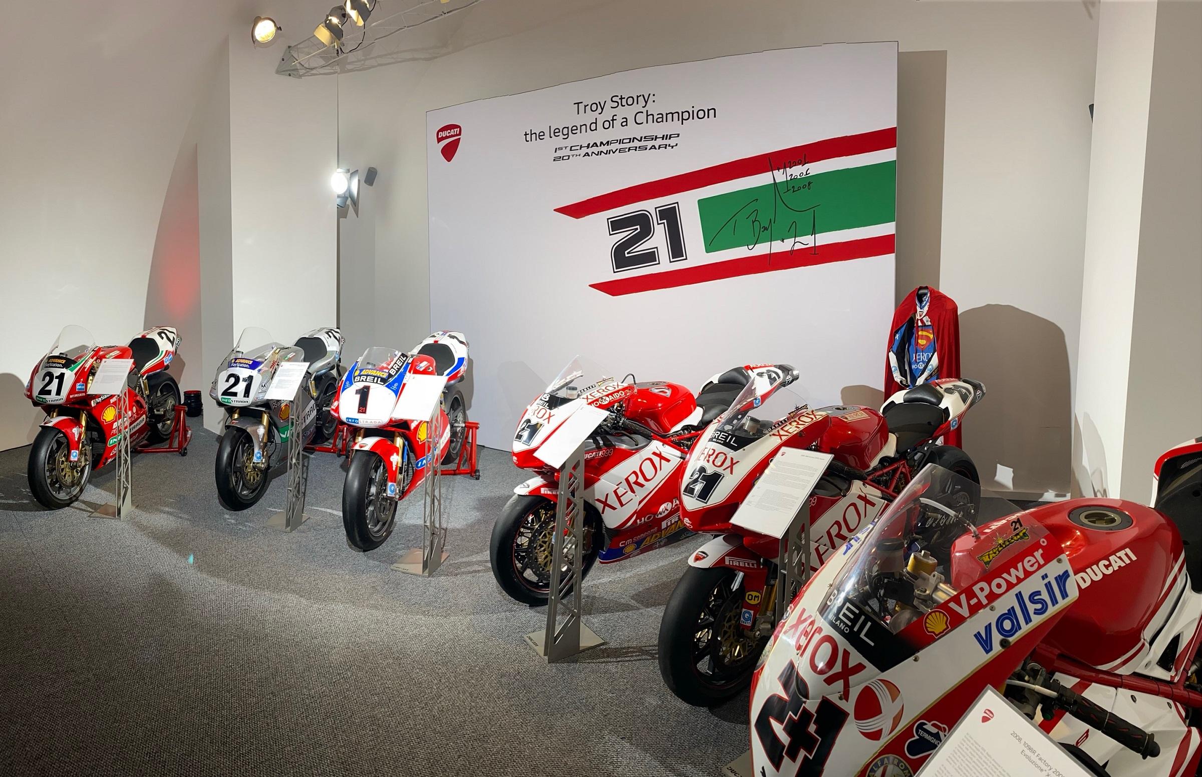 DUCATI Troy Story the Legend of a Champion 2 Μουσείο Ducati : Θεματική έκθεση για τα 20 χρόνια από τον πρώτο παγκόσμιο τίτλο του Troy Bayliss Ducati, ειδήσεις, Νέα