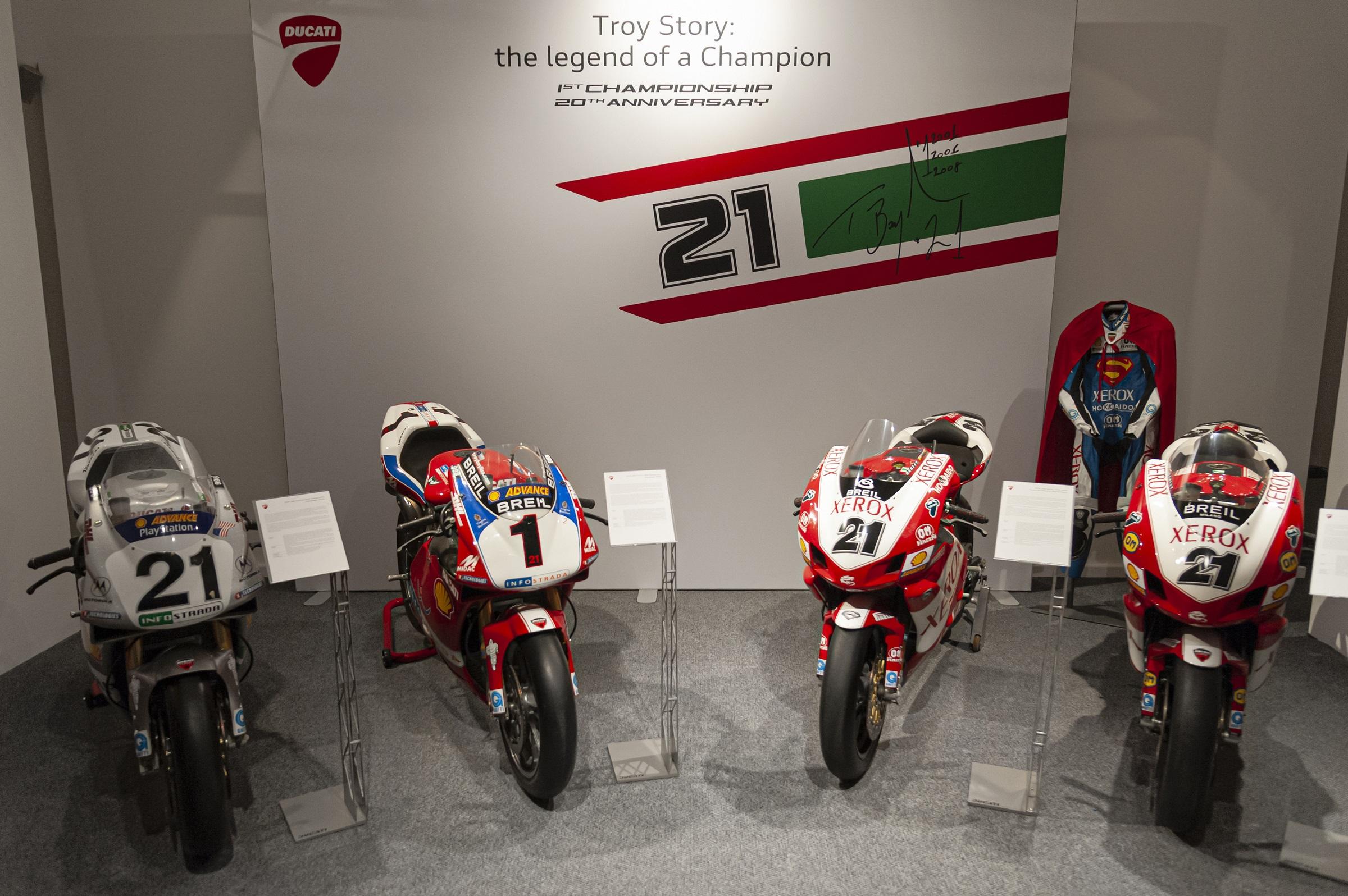 DUCATI Troy Story the Legend of a Champion 3 Μουσείο Ducati : Θεματική έκθεση για τα 20 χρόνια από τον πρώτο παγκόσμιο τίτλο του Troy Bayliss Ducati, ειδήσεις, Νέα
