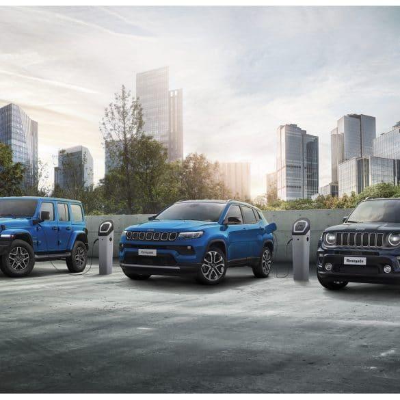 01 1st moment Jeep 4xe range 12 ορόσημα, για τα 80α γενέθλια της Jeep