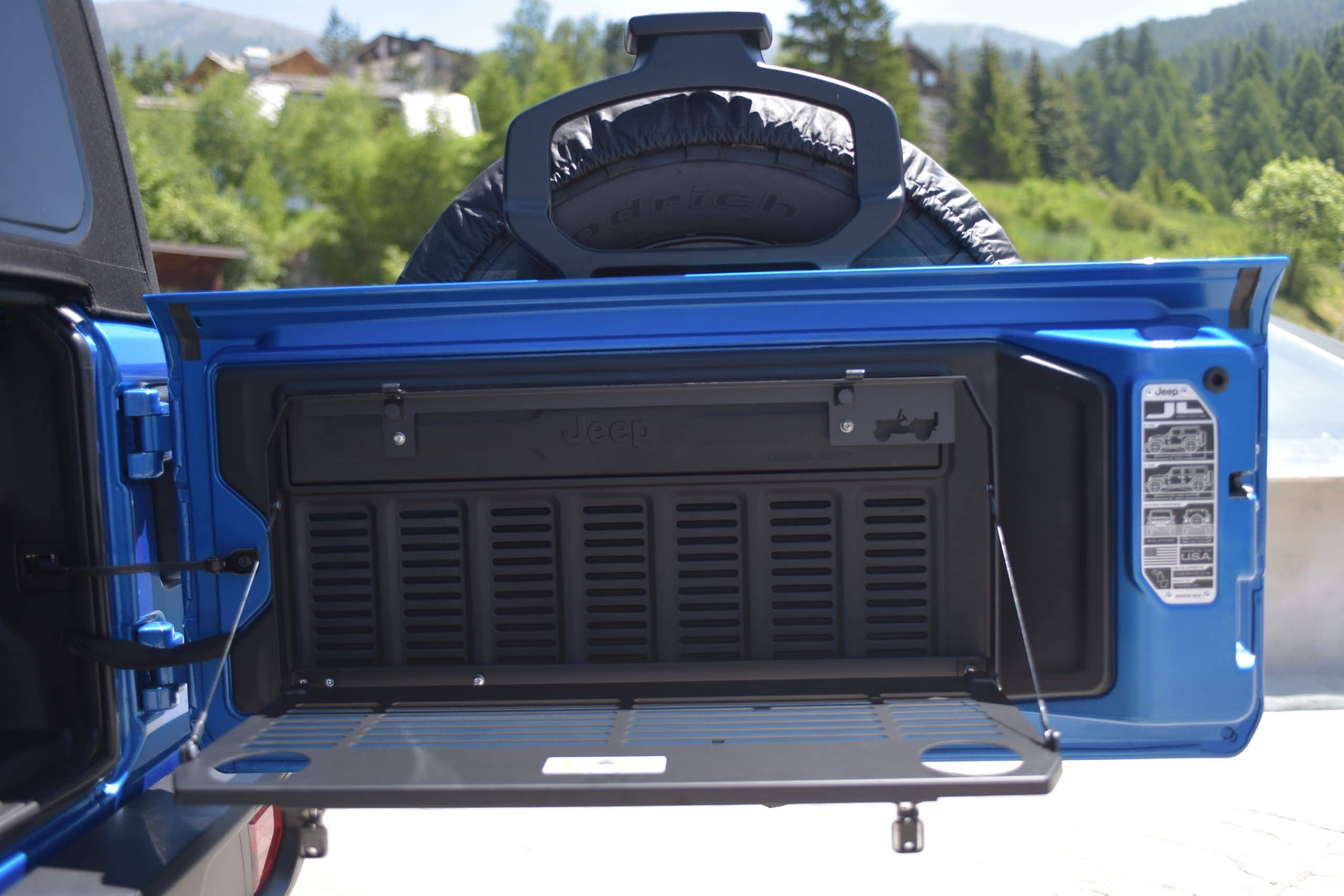 05 Jeep Wrangler 4xe scaled Νέα σειρά αξεσουάρ για το Plug-in Hybrid, Jeep Wrangler 4xe Jeep, Jeep 4XE, Mopar, Wrangler, Wrangler 4XE, ειδήσεις, Νέα