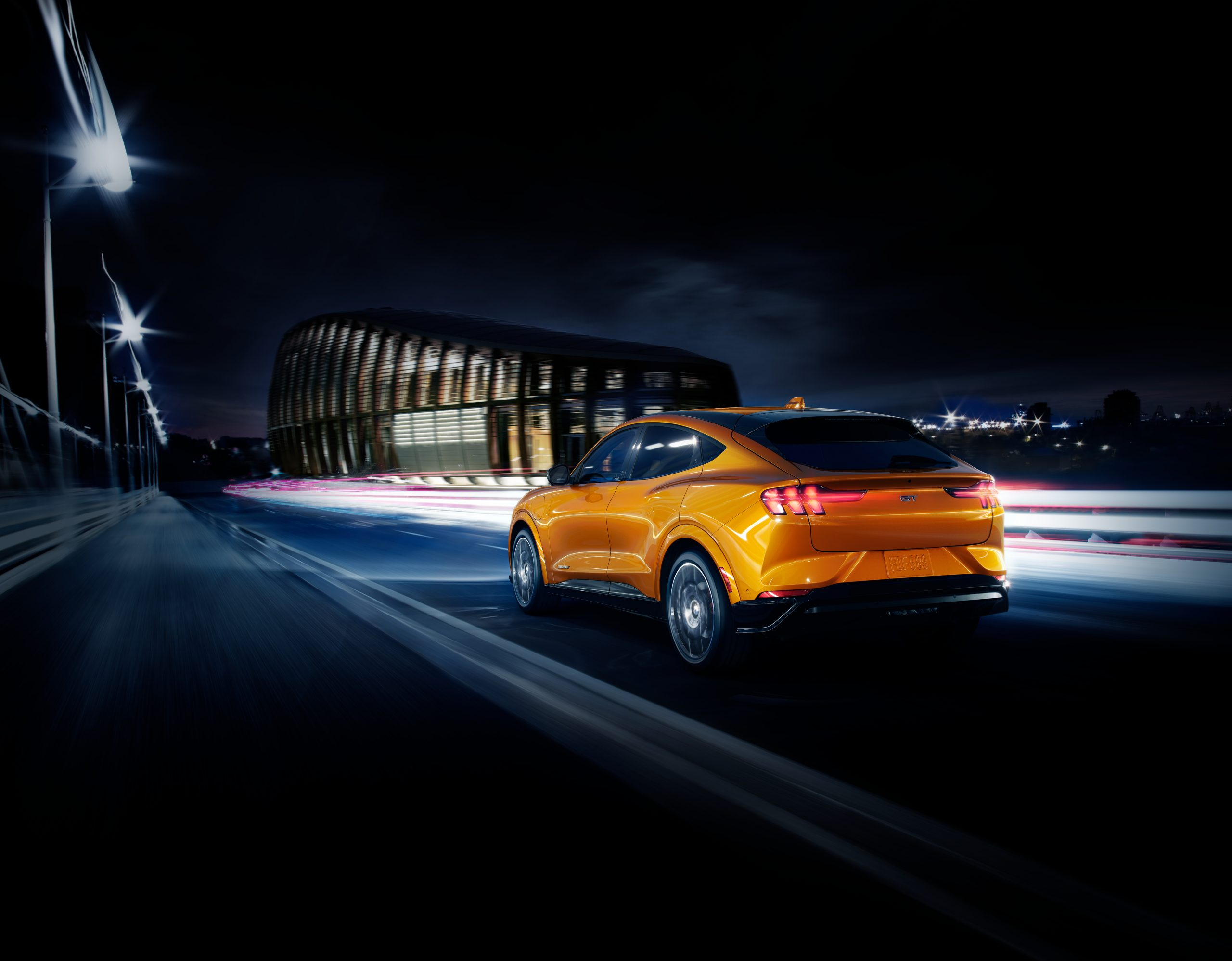 2020 FORD MACH E GT CYBER ORANGE 02 scaled Από 51.587 ευρώ η τιμή της Ford Mustang Mach-E στην Ελλάδα Electric cars, electric vehicles, EV, Ford, Ford Mustang, Ford Mustang Mach-E, zblog, ειδήσεις, ηλεκτρικά, ηλεκτροκινηση, κινουμαι ηλεκτρικα, Νέα