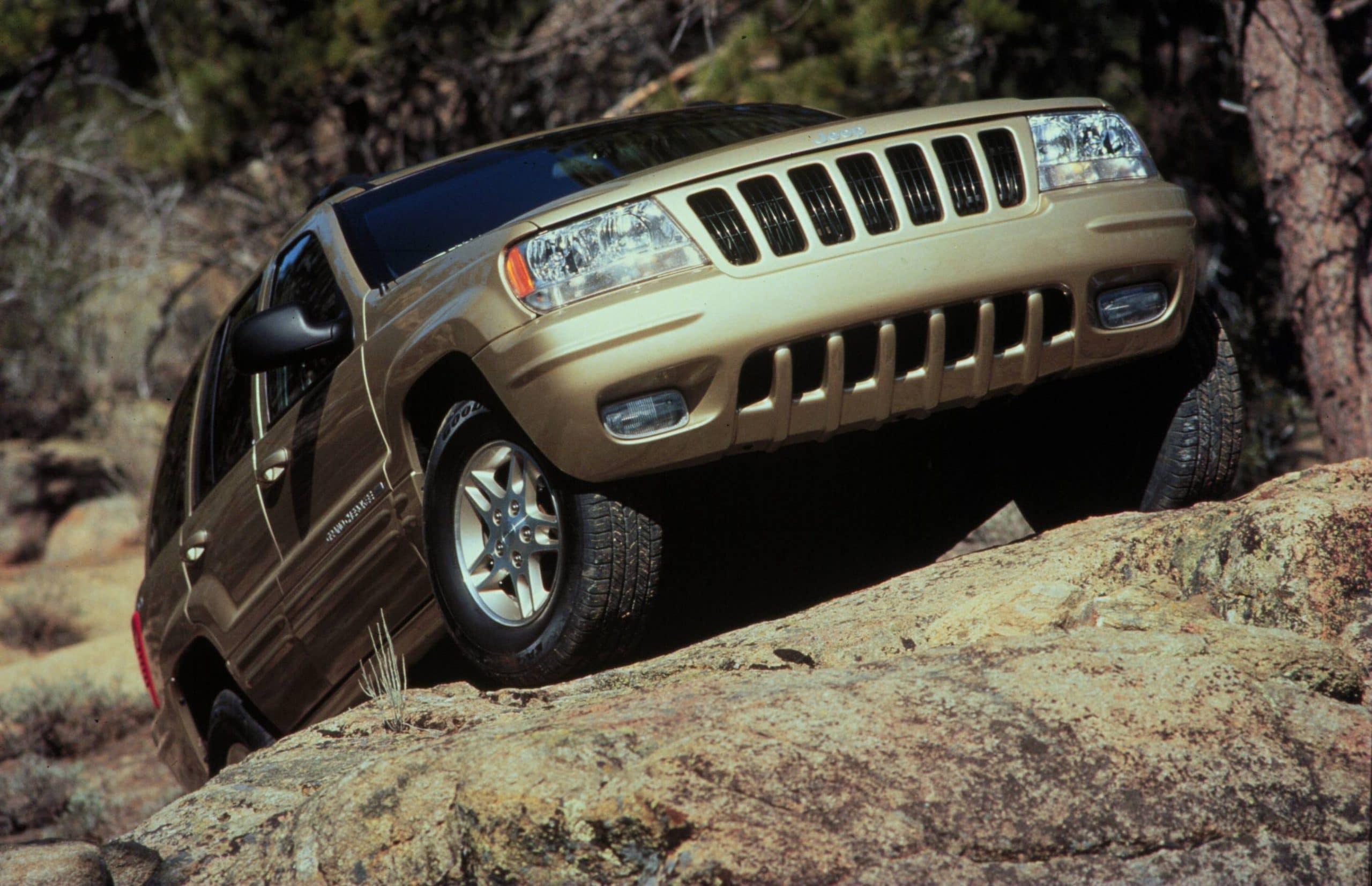4th moment 1999 Jeep Grand Cherokee scaled 12 ορόσημα, για τα 80α γενέθλια της Jeep Jeep, Jeep Cherokee, Jeep Compass, Jeep Gladiator, Jeep Grand Cherokee, Jeep Renegade, Jeep Willys, Jeep Wrangler, ειδήσεις, Νέα