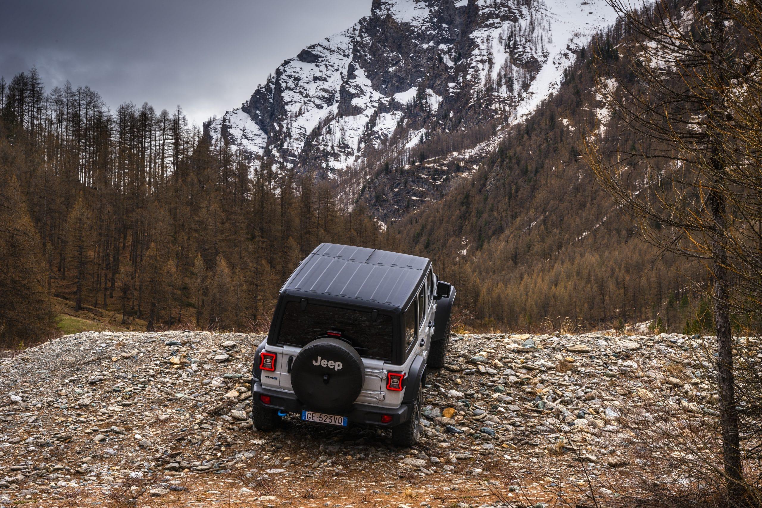 AFP9166 scaled H Jeep πρωταγωνιστεί στα φετινά OFF ROAD Magazine Awards Gladiator, Jeep, Jeep Compass, Jeep Gladiator, Jeep Renegade, Jeep Wrangler, Renegade, Wrangler, ειδήσεις, Νέα