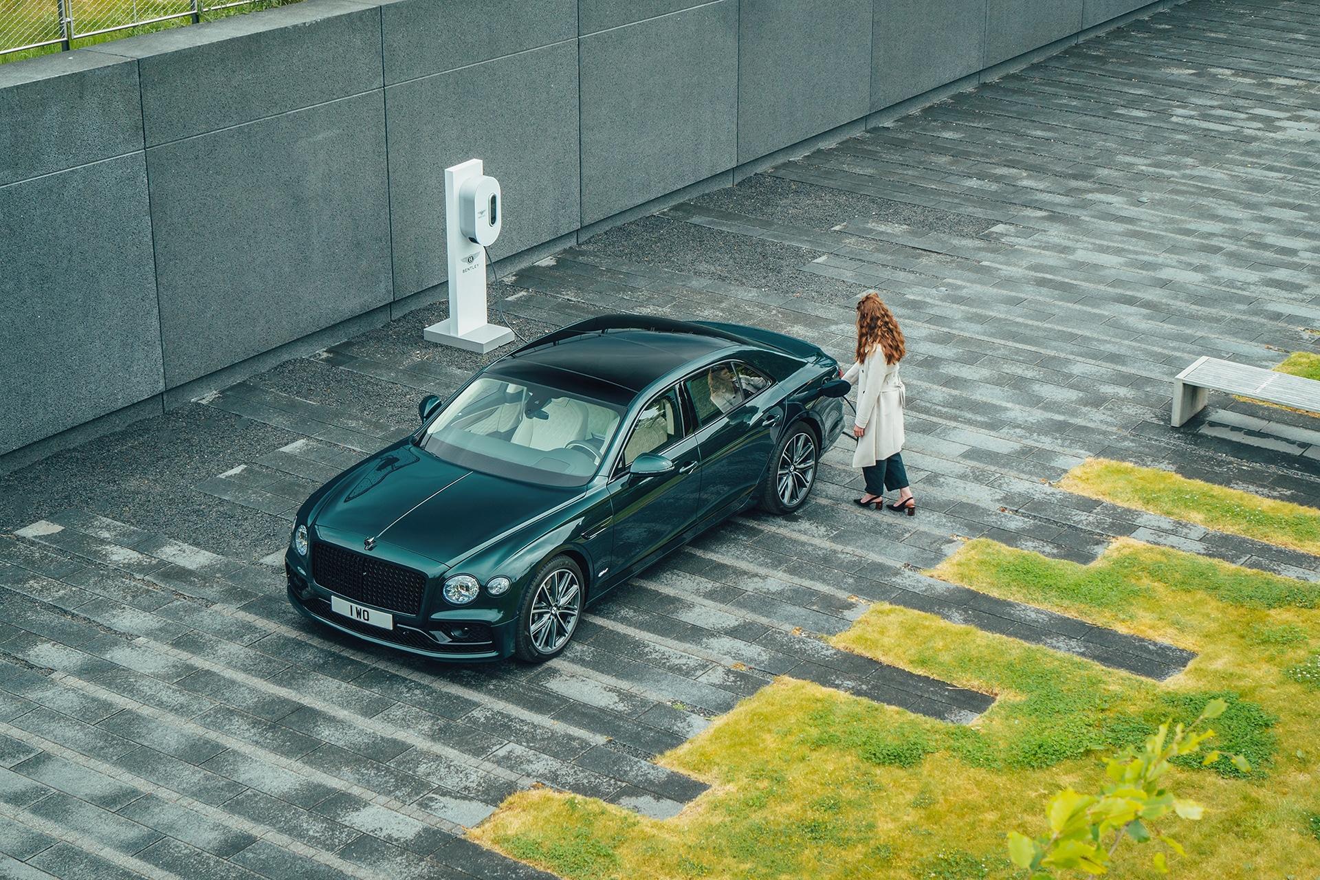 BENTLEY Flying Spur Hybrid 5 ΝΕΑ FLYING SPUR HYBRID : Ακόμα μία πράσινη Bentley Bentley, Bentley Flying Spur, Bentley Flying Spur Hybrid, Hybrid, ειδήσεις, Νέα, υβριδικό