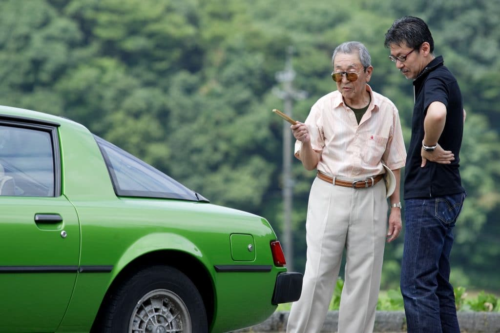 "Ikuo Maeda General Manager Design Division and his father 1 Η οικογένεια που σχεδίασε τα ""διαμάντια"" της Mazda Mazda, Mazda CX-30, MAZDA MX5, Mazda RX-7, Mazda RX-Vision Concept, Mazda RX8, Wankel, zblog"