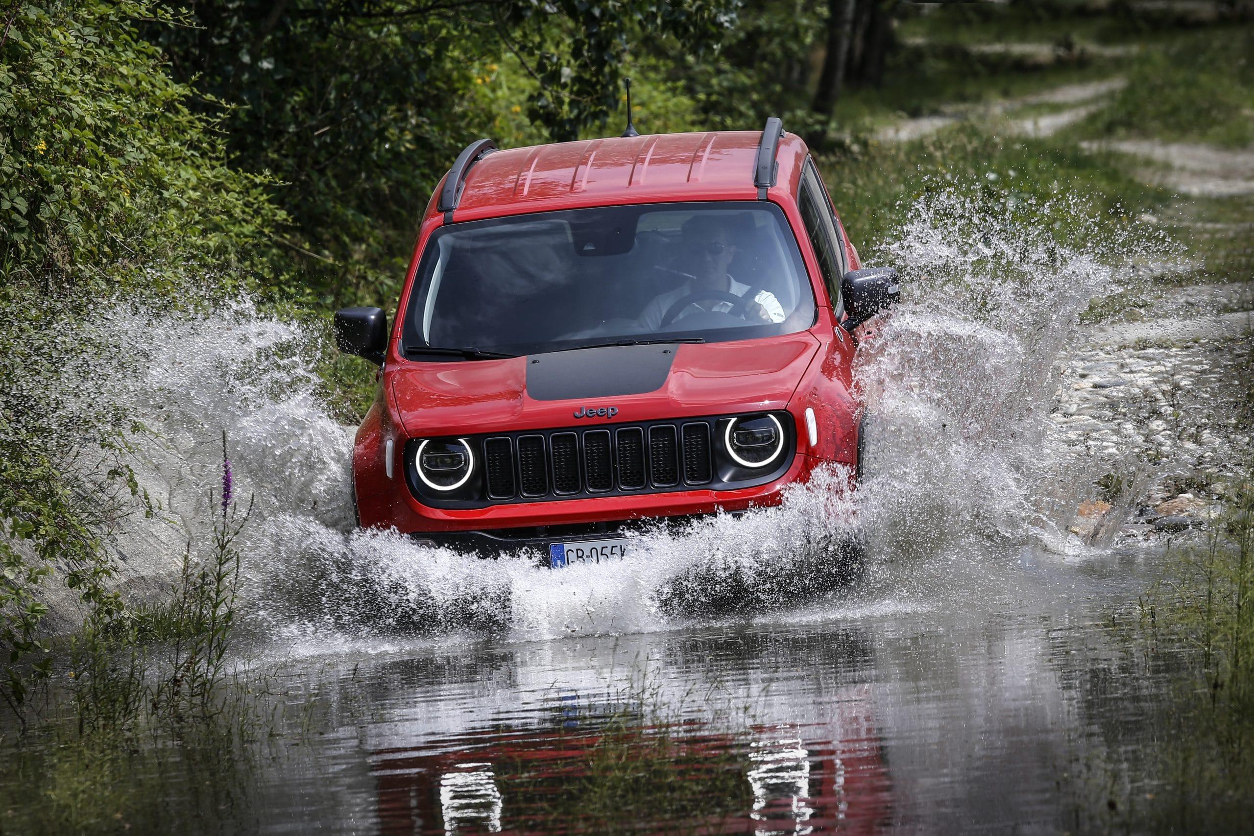 Jeep Renegade TH 4xe 65 scaled H Jeep πρωταγωνιστεί στα φετινά OFF ROAD Magazine Awards Gladiator, Jeep, Jeep Compass, Jeep Gladiator, Jeep Renegade, Jeep Wrangler, Renegade, Wrangler, ειδήσεις, Νέα