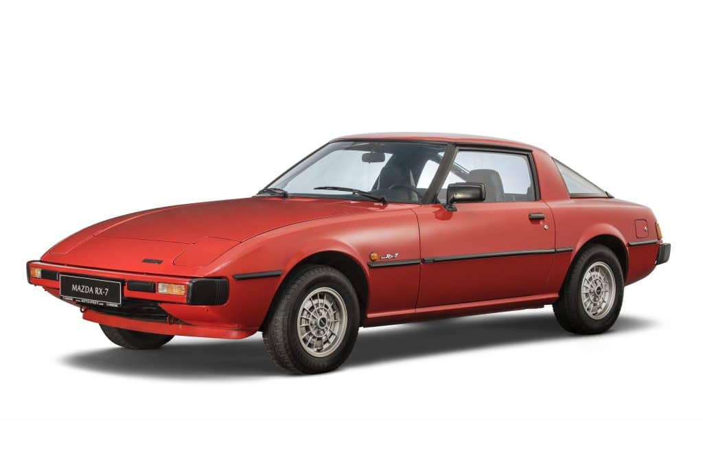 "RX 7 001 Η οικογένεια που σχεδίασε τα ""διαμάντια"" της Mazda Mazda, Mazda CX-30, MAZDA MX5, Mazda RX-7, Mazda RX-Vision Concept, Mazda RX8, Wankel, zblog"
