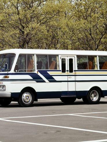 1974 Mazda Parkway still 01 Η ιστορία του Mazda Parkway, του μοναδικού minibus με ρότορα