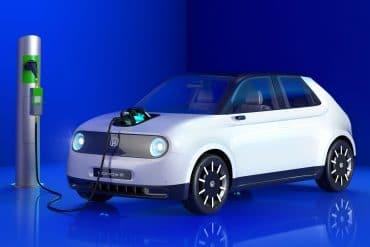 Electric car charging Lead 1 Ουραγός η Ελλάδα σε φορτιστές για ηλεκτρικά αυτοκίνητα