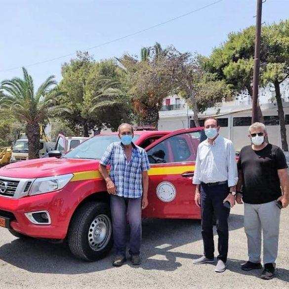 PYROSVESTIKO OHIMA 1 Ένα Πυροσβεστικό Nissan NAVARA για το Δήμο Ερμούπολης Σύρου