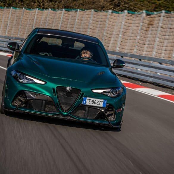 unnamed 11 Πώς βλέπει την Alfa Romeo GTAm ένας Γερμανός οδηγός αγώνων